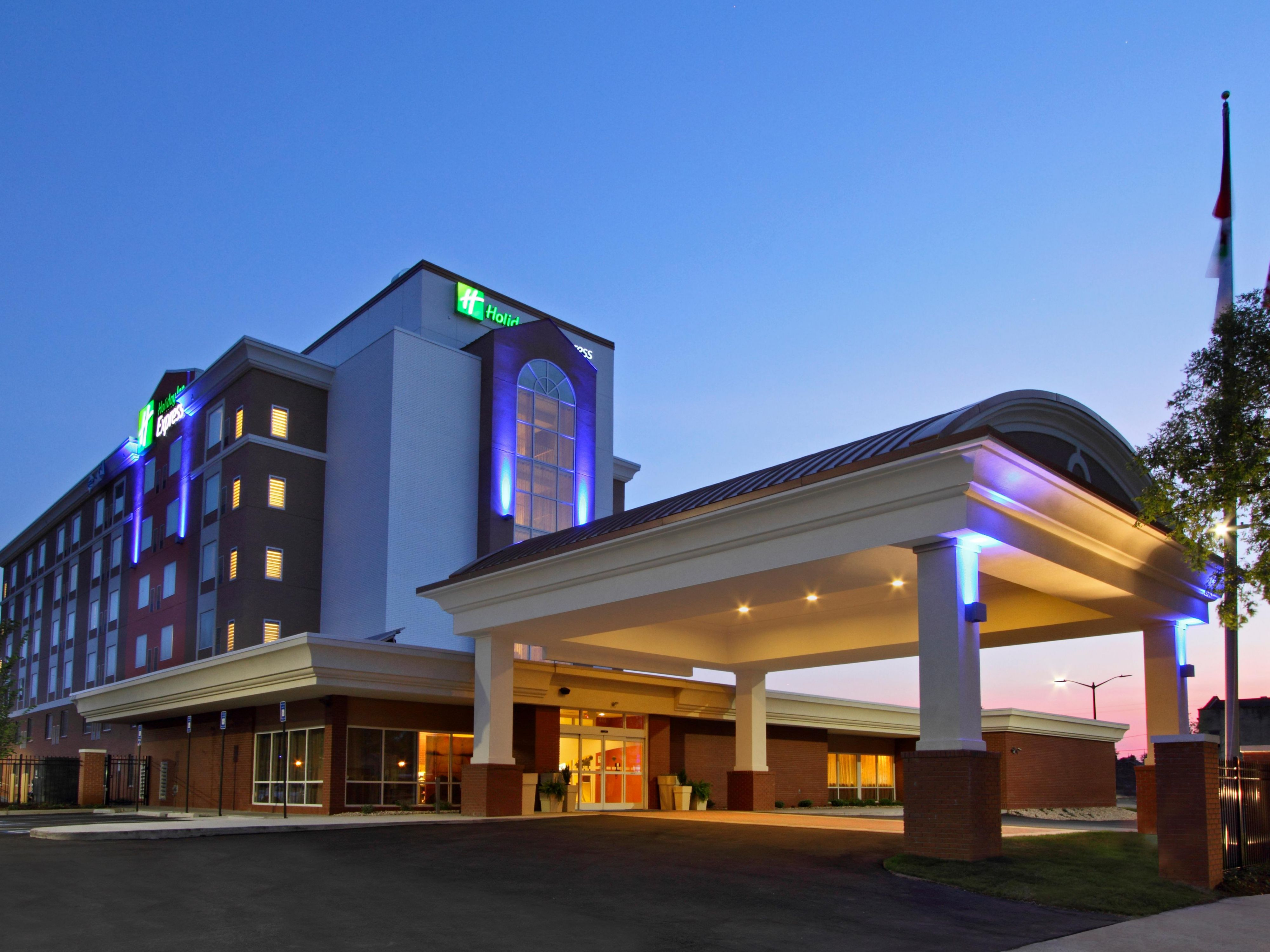 Holiday Inn Express Augusta Downtown Hotel In Augusta By Ihg