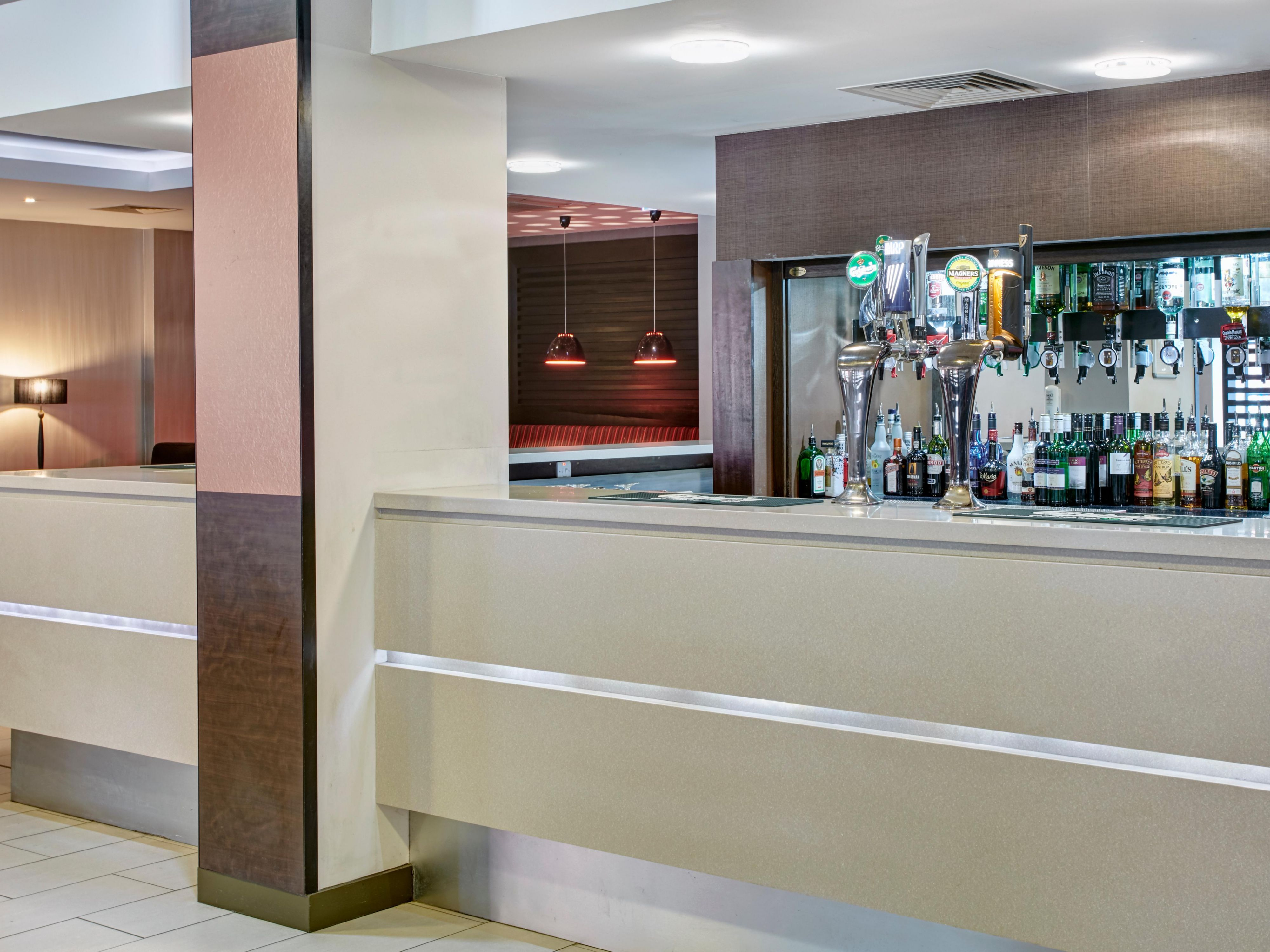 Bar at Holiday Inn Express Belfast