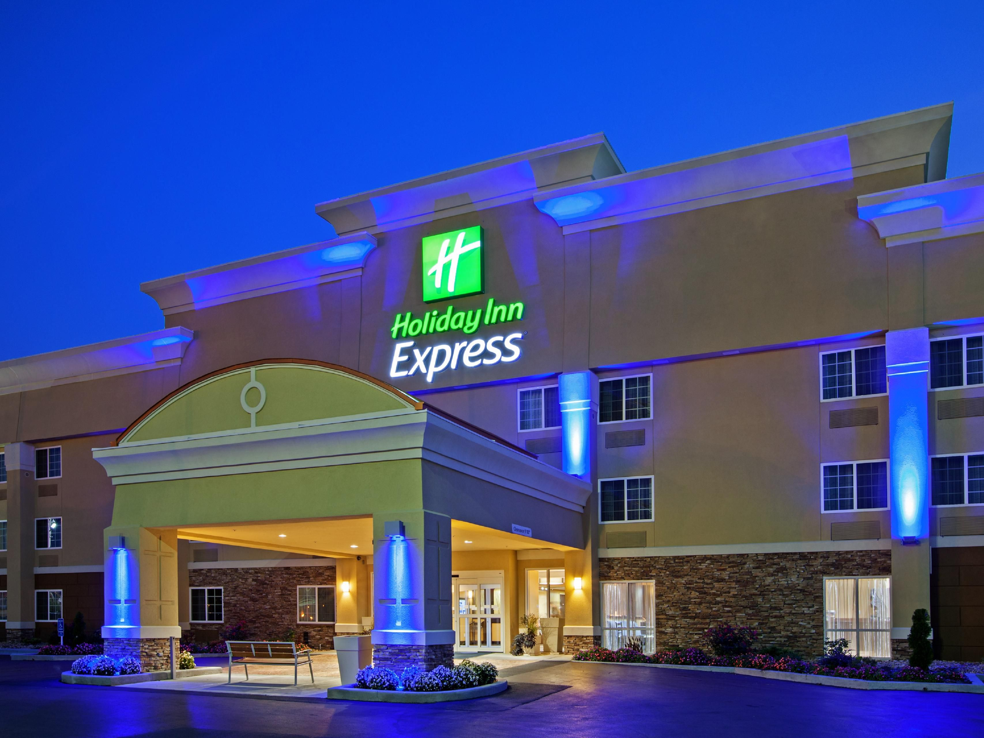 Welcome to the Holiday Inn Express of Bowling Green