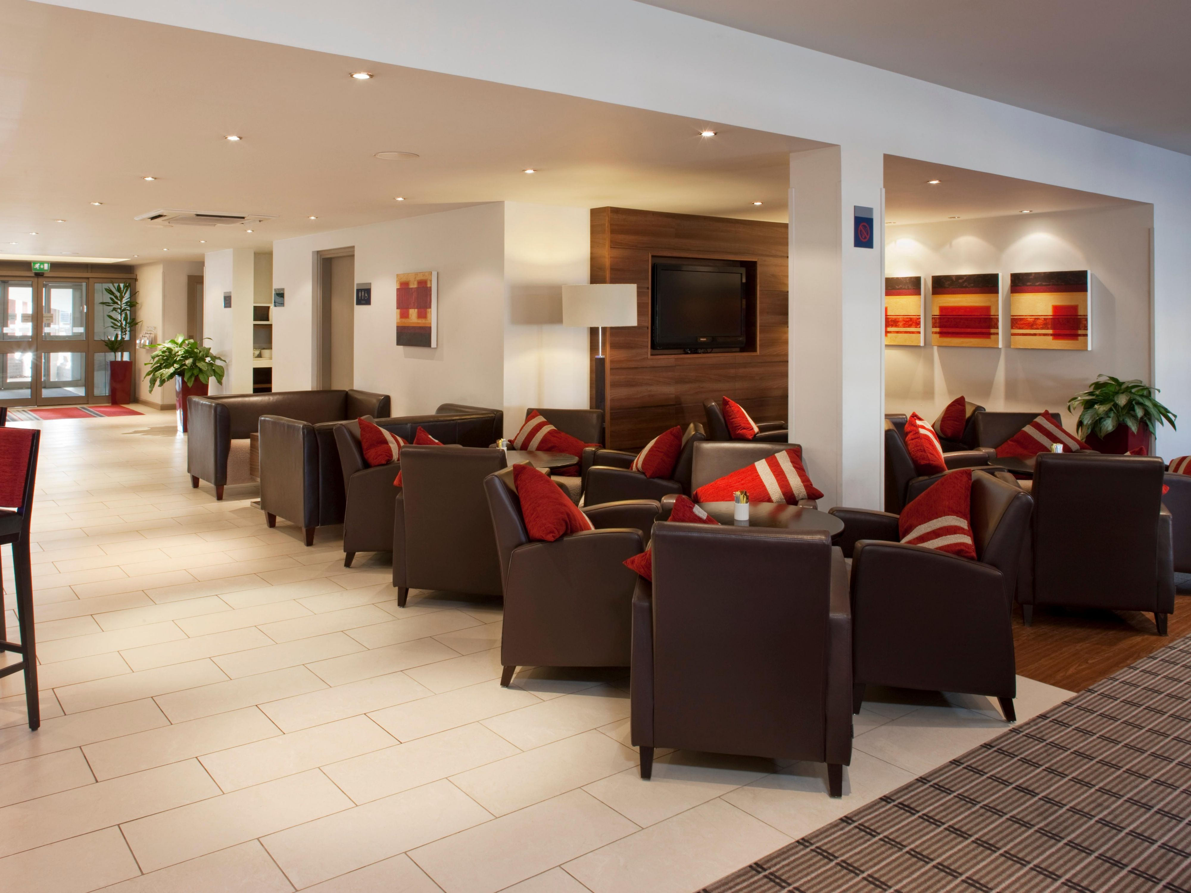 Relax in the lounge at our Holiday Inn Express hotel in Bristol