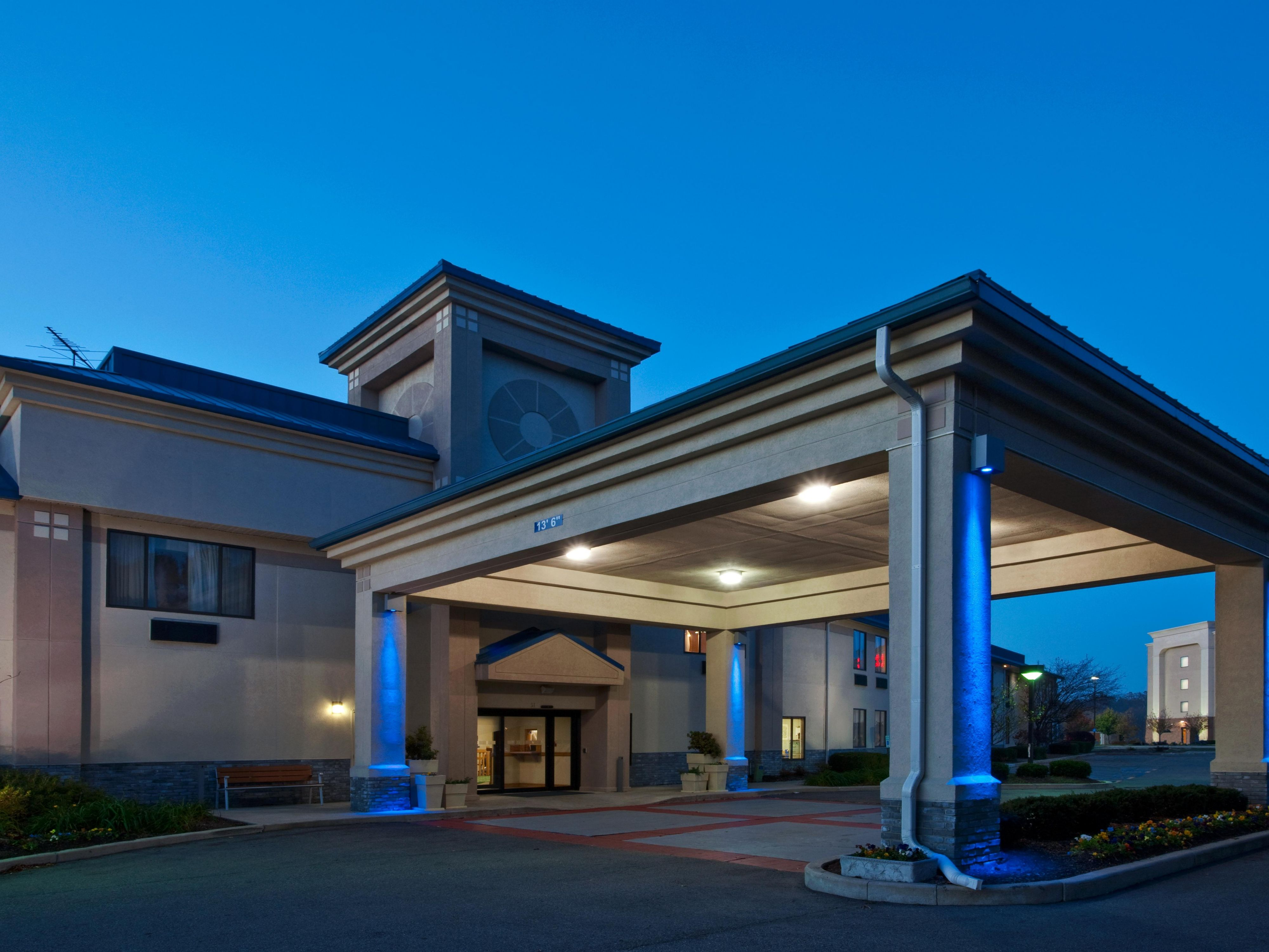 Holiday Inn Express Indianpolis Brownsburg I 74 W Hotel