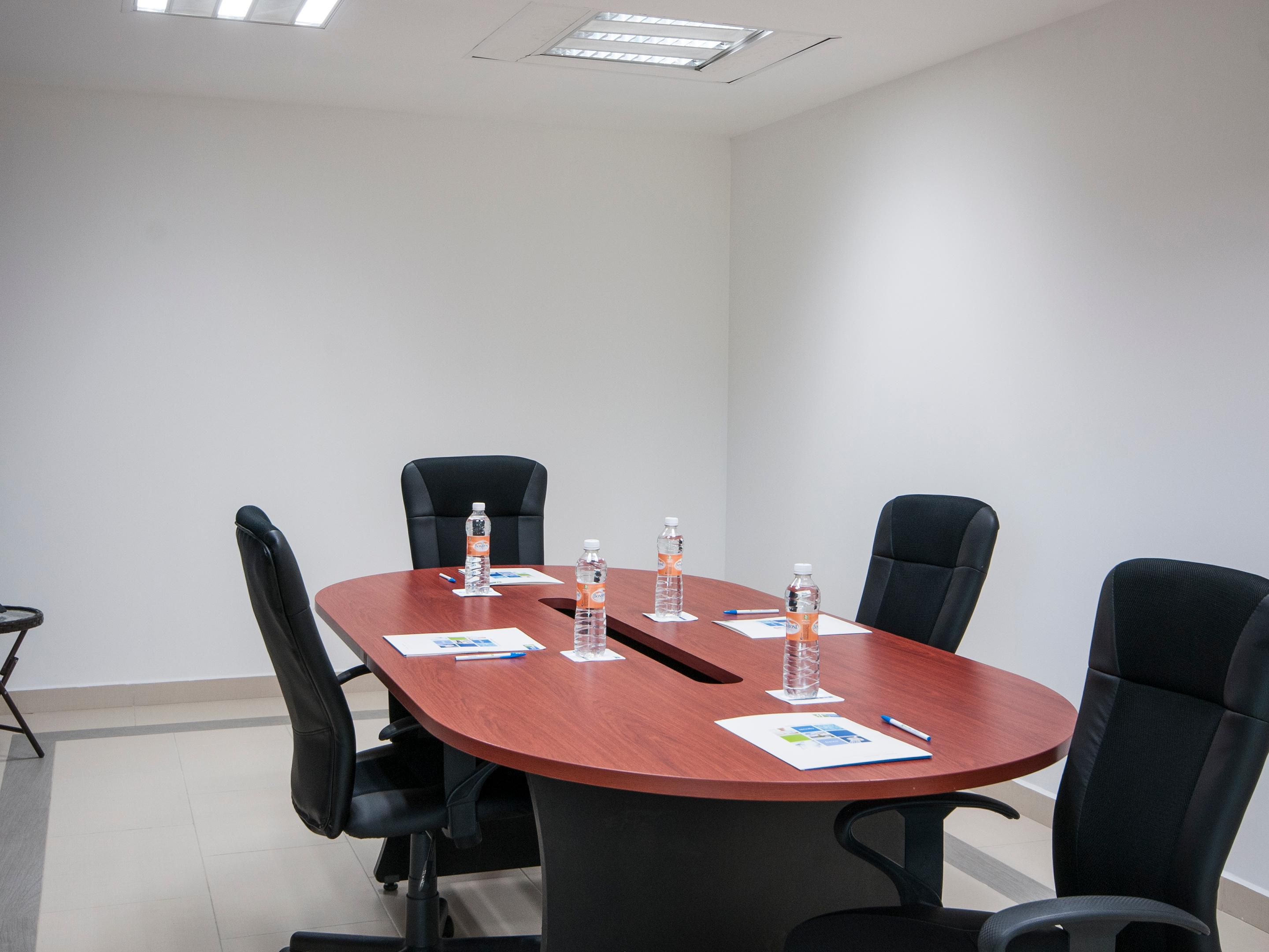 Meeting Room for 15 people and coffe break
