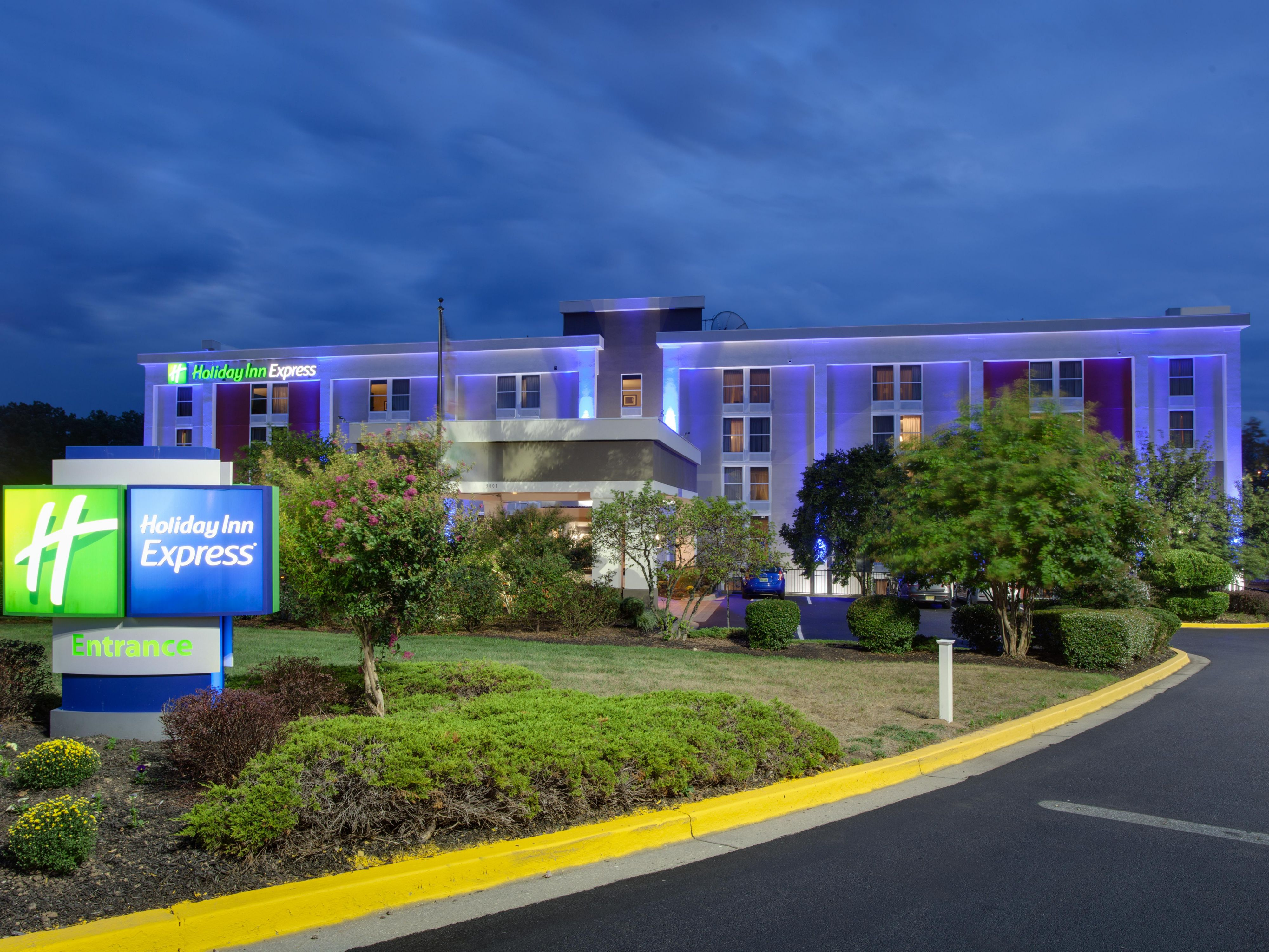 Holiday Inn Express Washington Dc East Andrews Afb In Hyattsville Maryland
