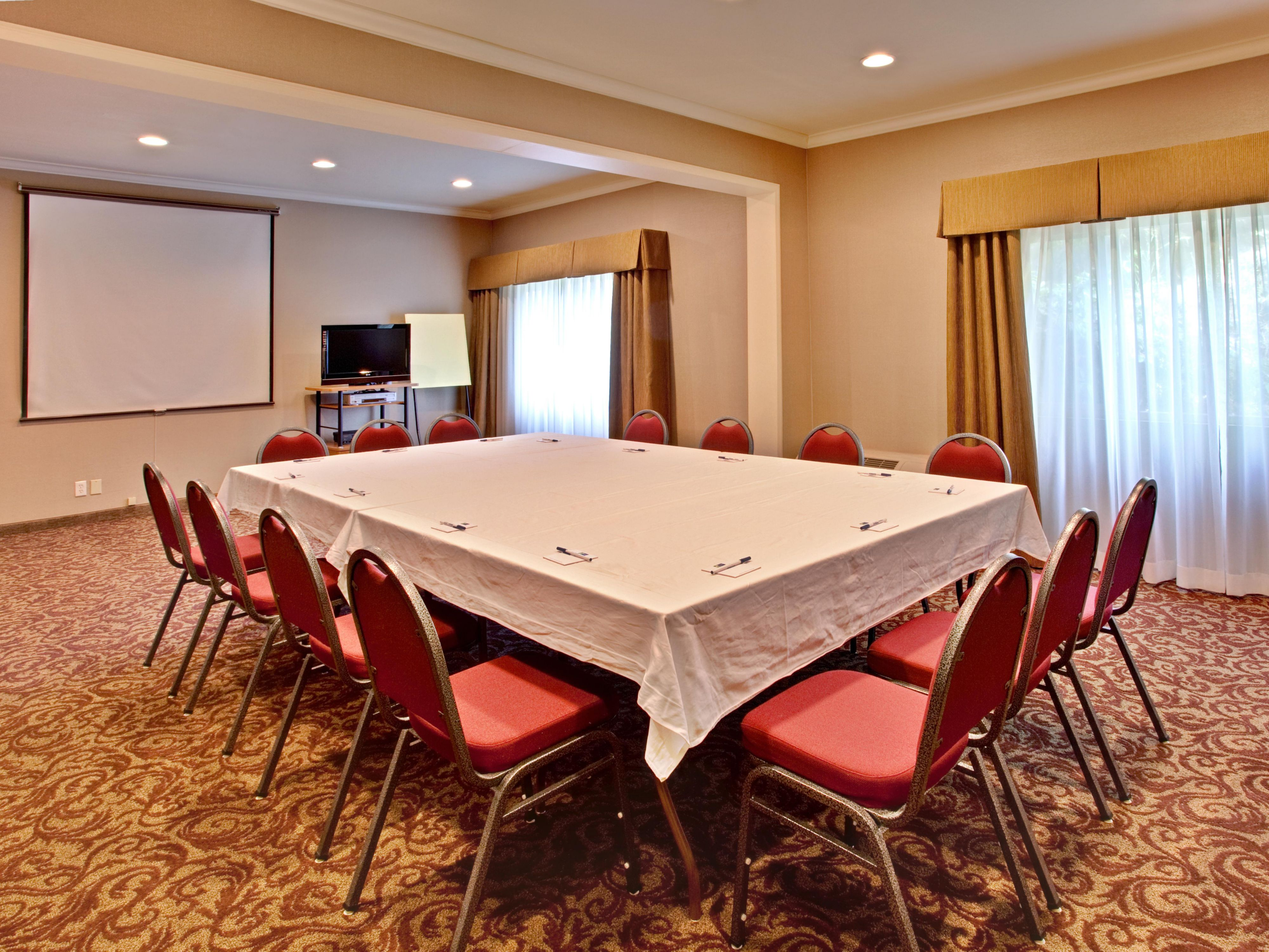 Cardiff, California meetings available at the Holiday Inn Express