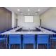 Reserva la amplia sala de reuniones para tu congreso