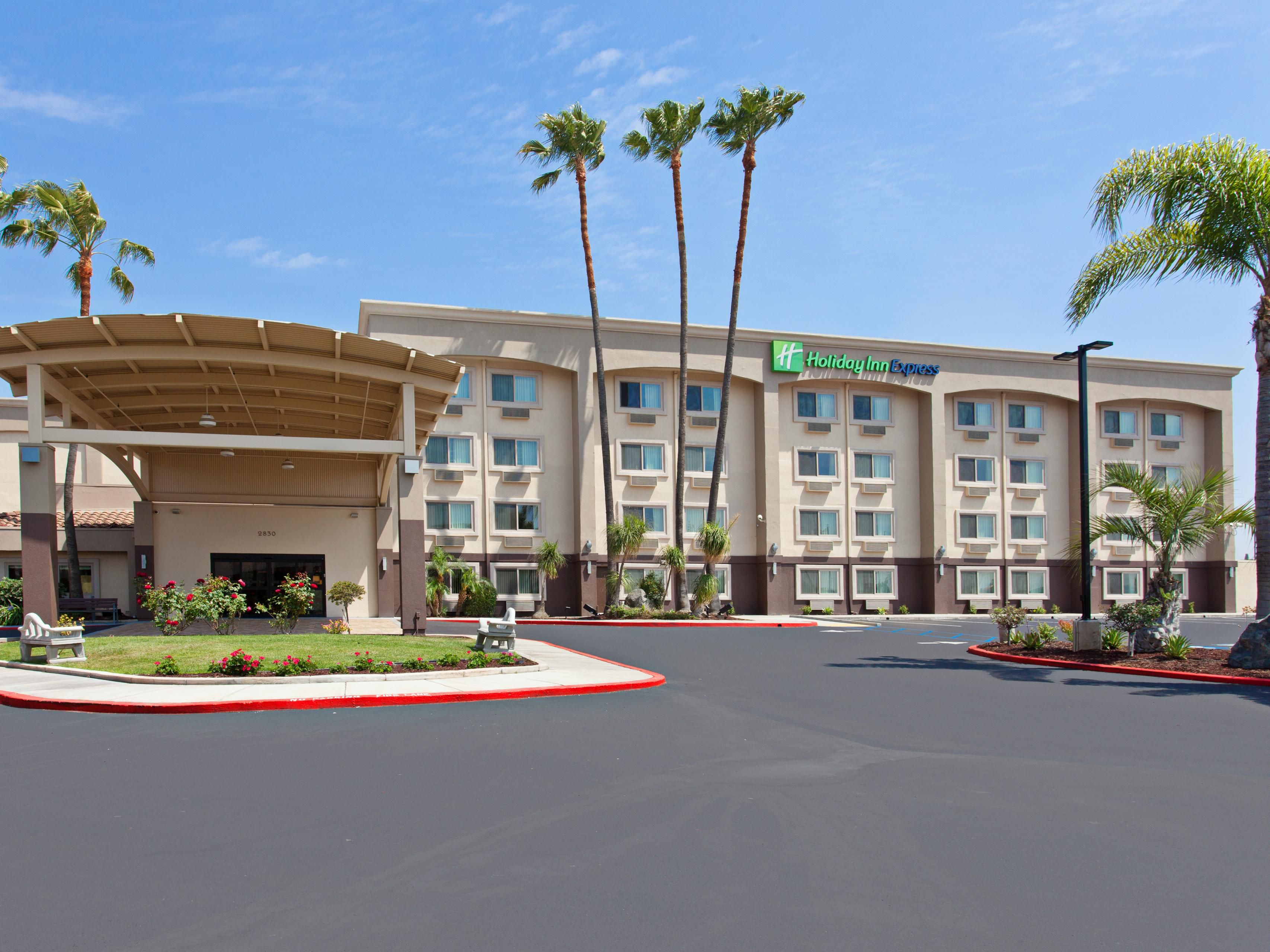 Holiday Inn Express Colton Riverside North