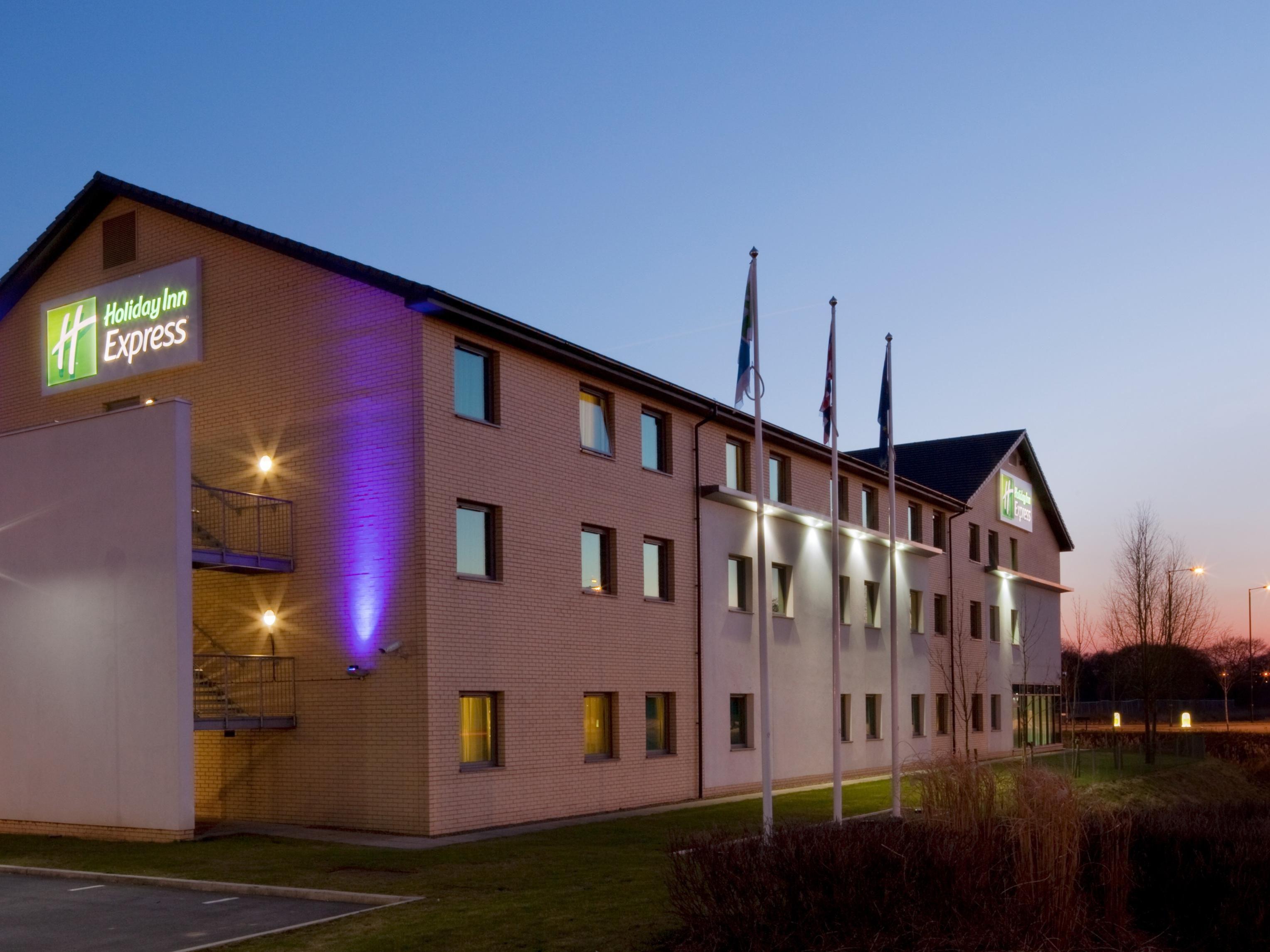 hotels near town centre holiday inn express doncaster