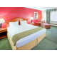 King Bed Guest Room - Holiday Inn Express Easton
