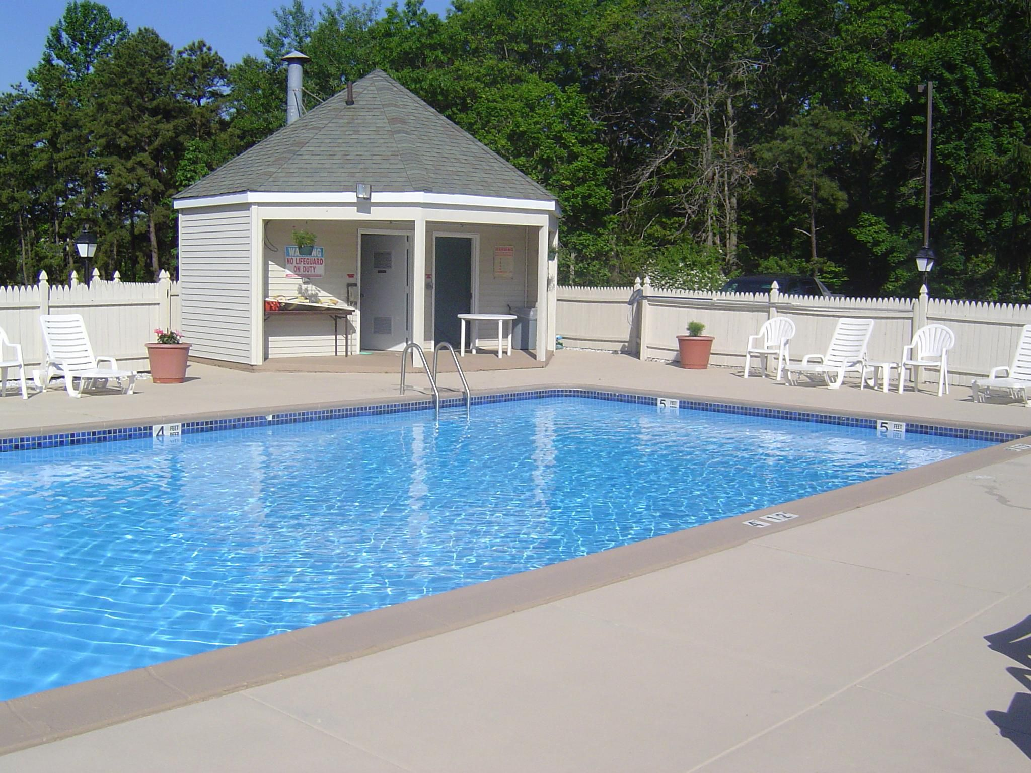 Have fun in the sun with our outdoor swimming pool