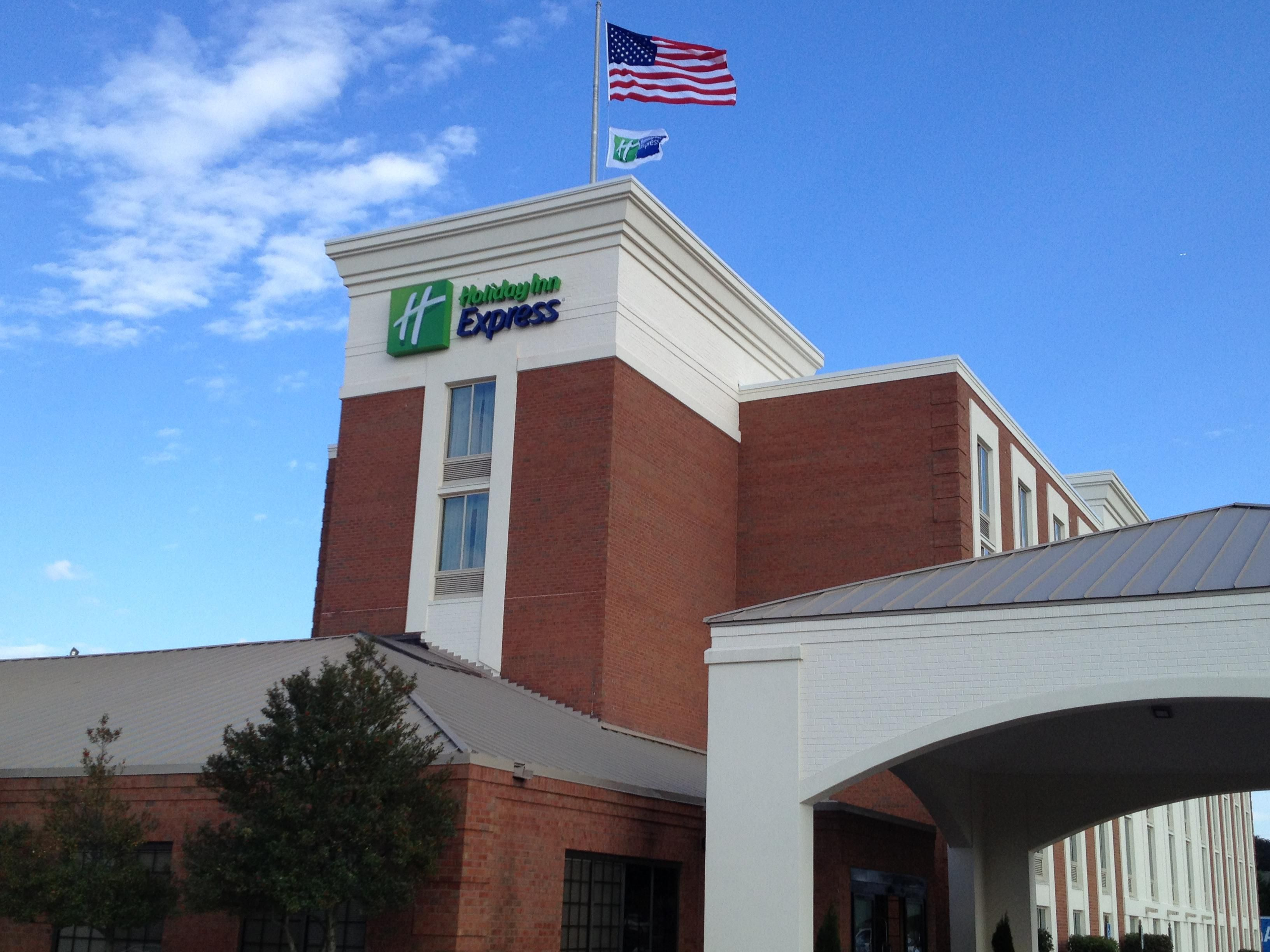 Welcome to the Holiday Inn Express SouthPoint, Fredericksburg