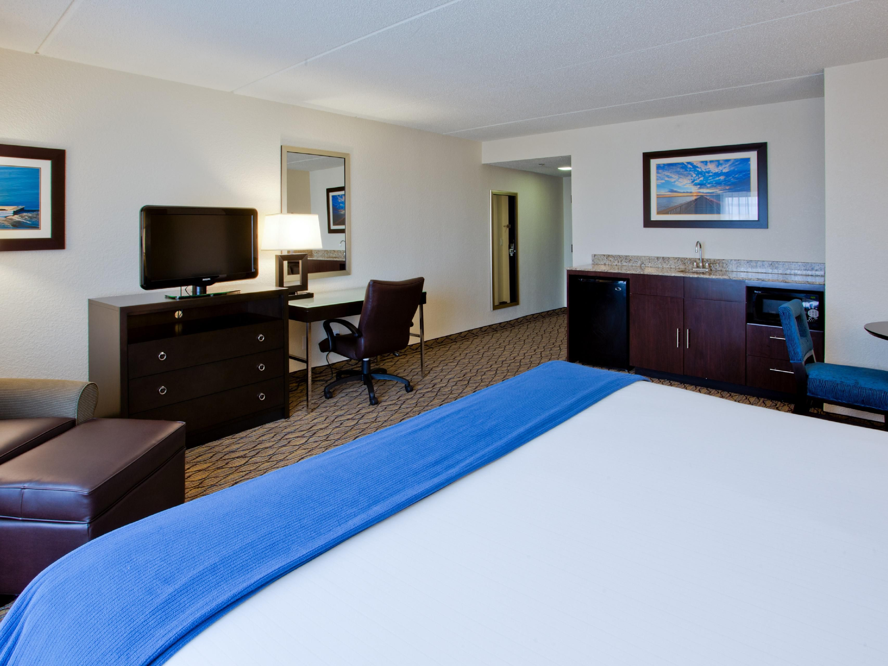 Enjoy our nicely appointed,King Executive Suite with wet bar