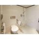Salle de bains réservée aux clients handicapés