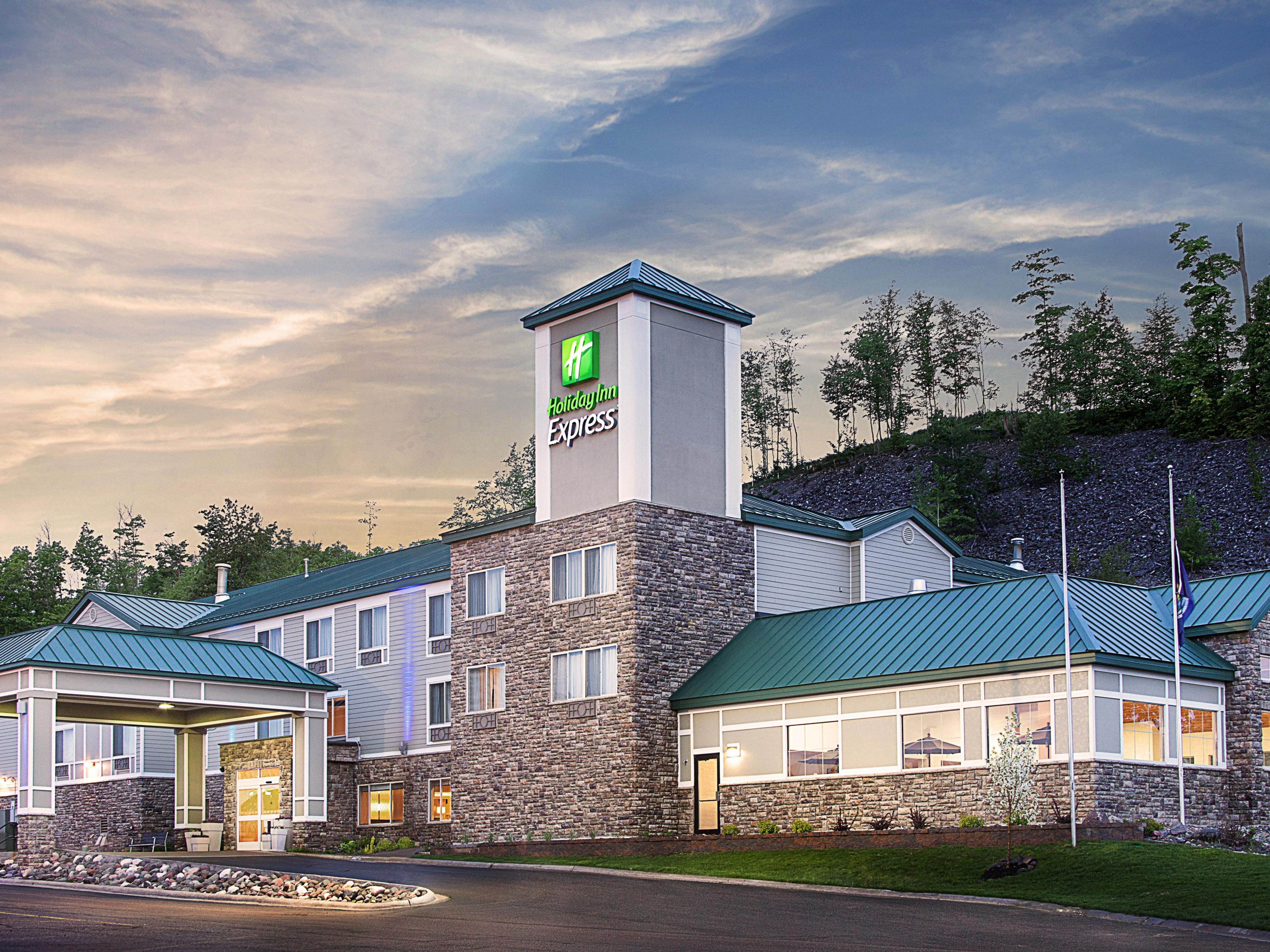 Welcome to the Holiday Inn Express Houghton-Keweenaw