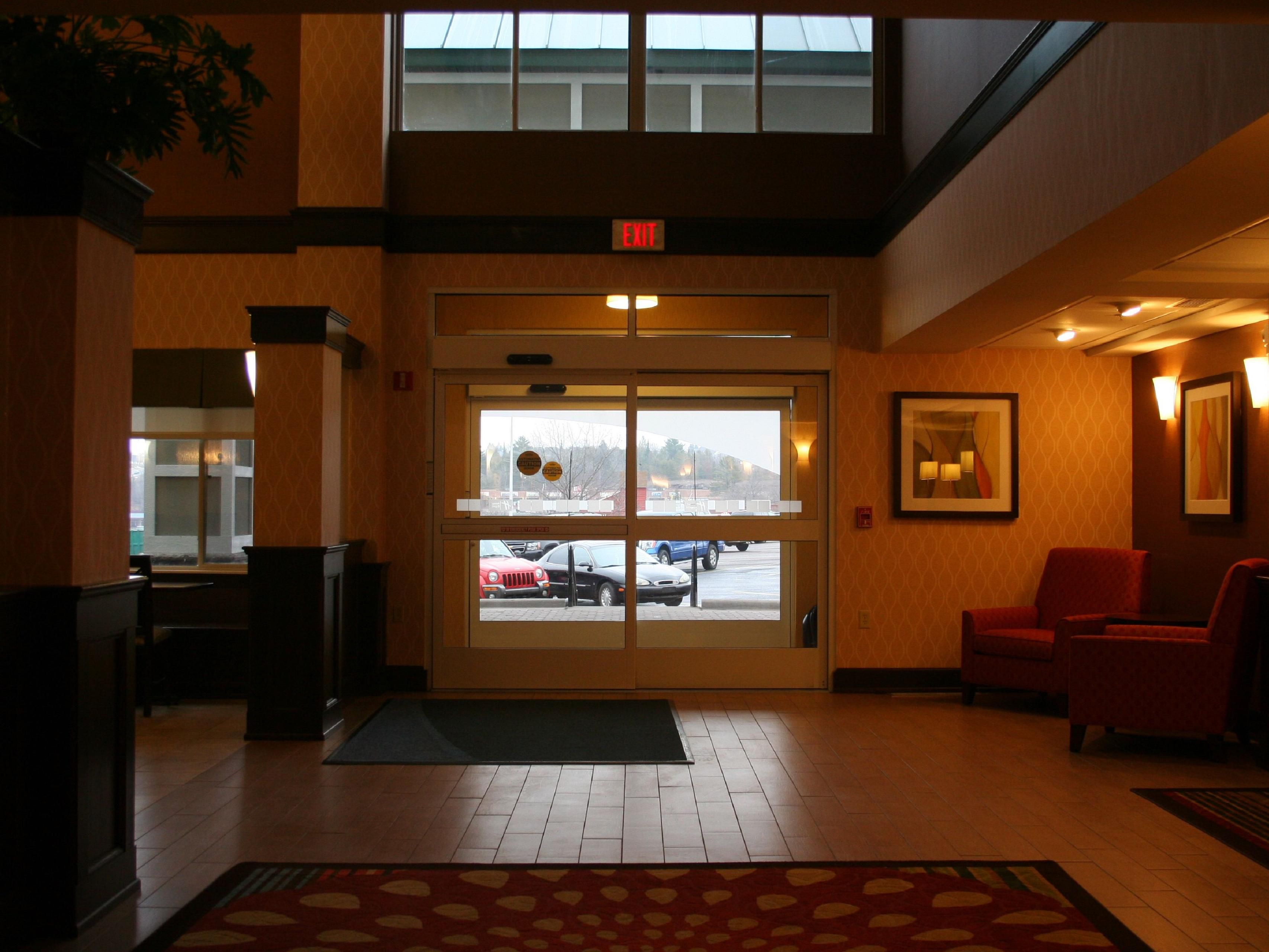 Holiday Inn Express Lobby Entrance