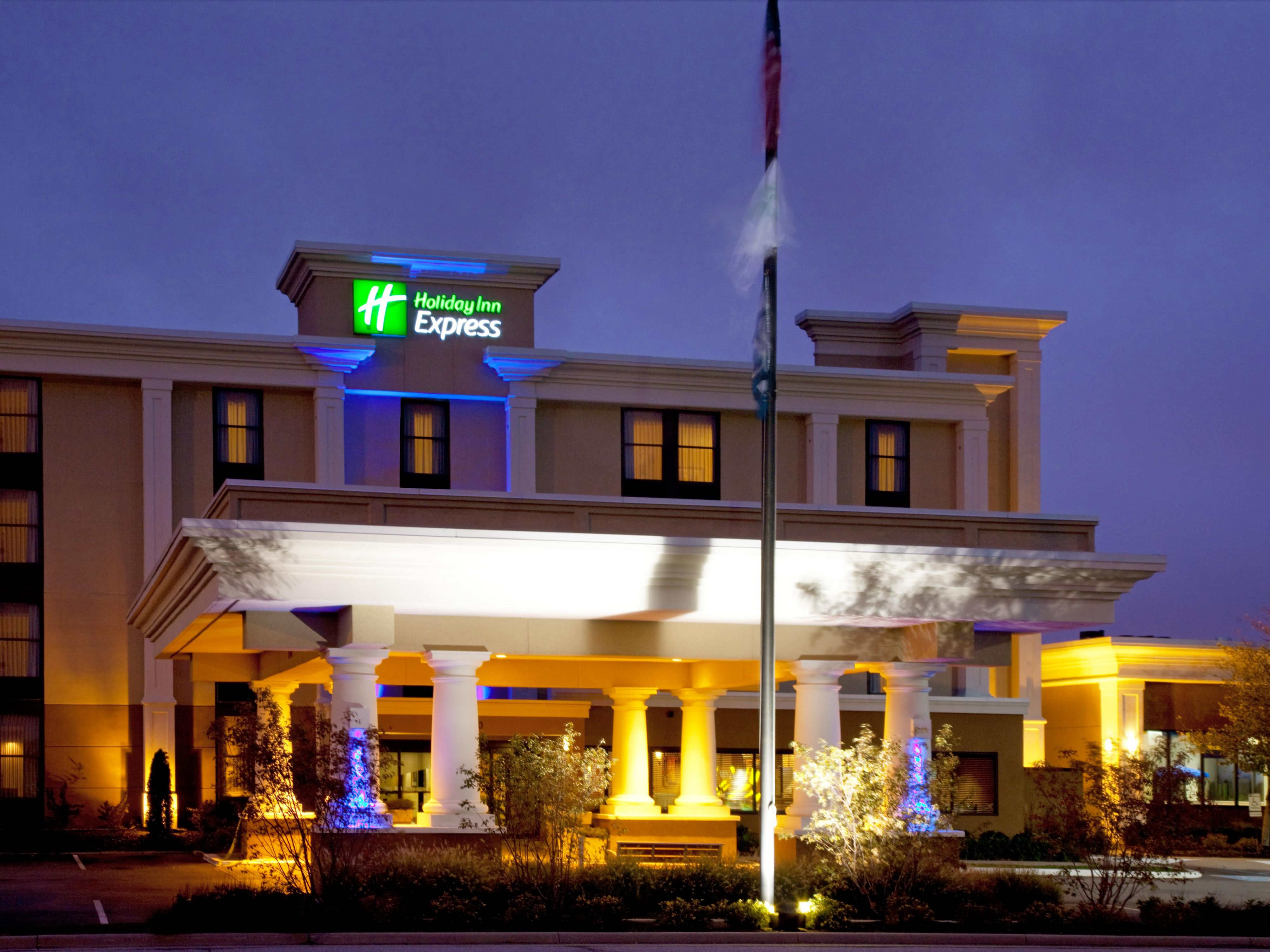 Holiday Inn Express Indianapolis Northwest Park 100