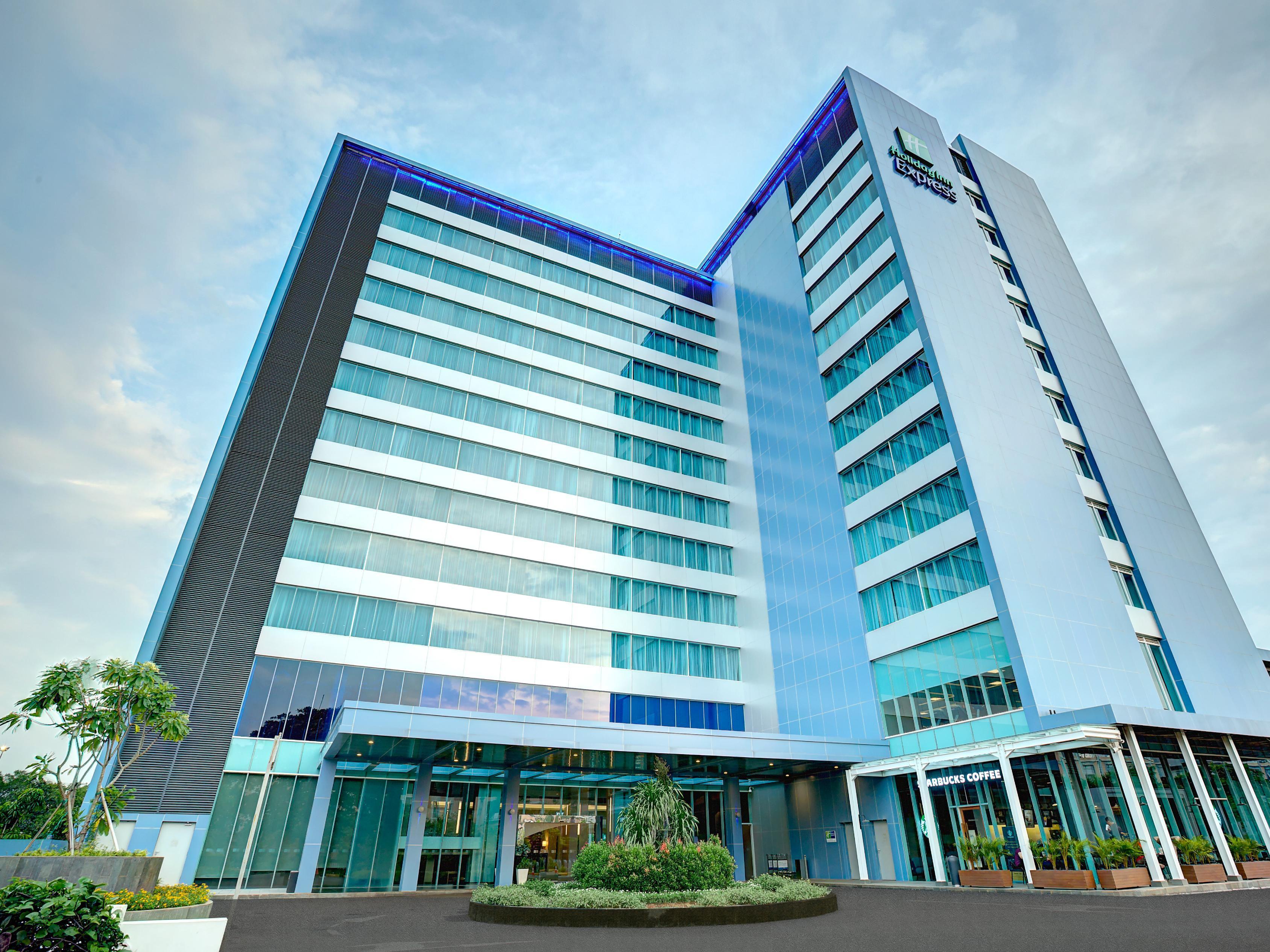 Holiday Inn Express Jakarta International Expo Hotel in Jakarta ...
