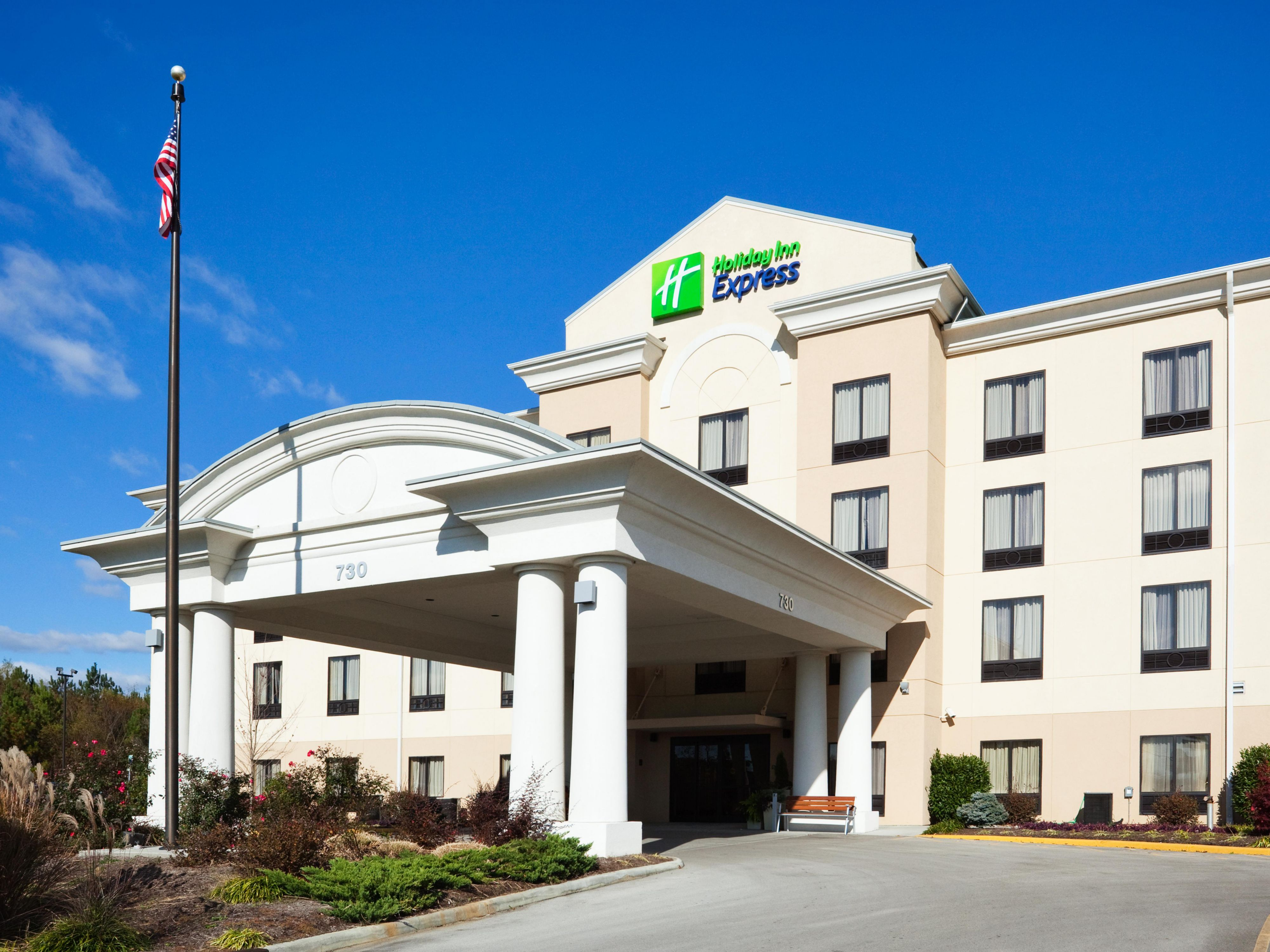 Holiday inn express knoxville strawberry plains hotel by ihg reheart Gallery