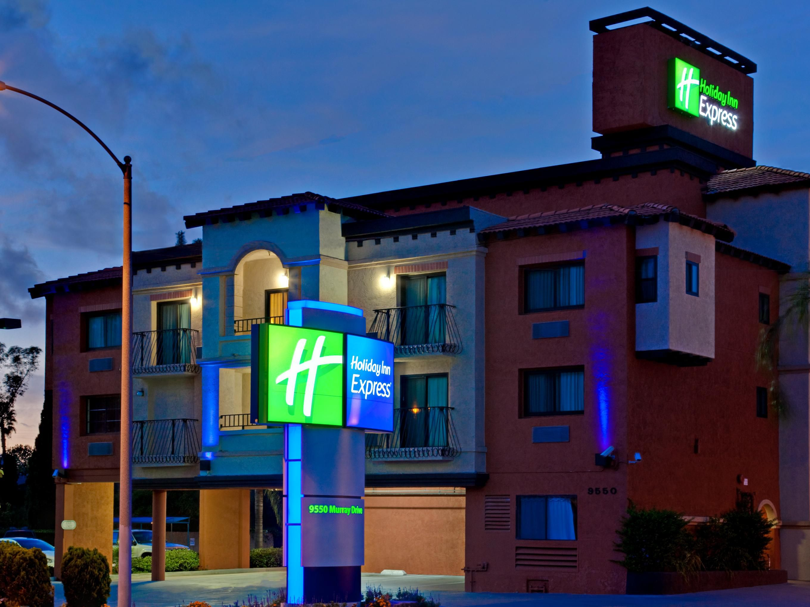 Holiday Inn Express La Mesa-Exterior Feature