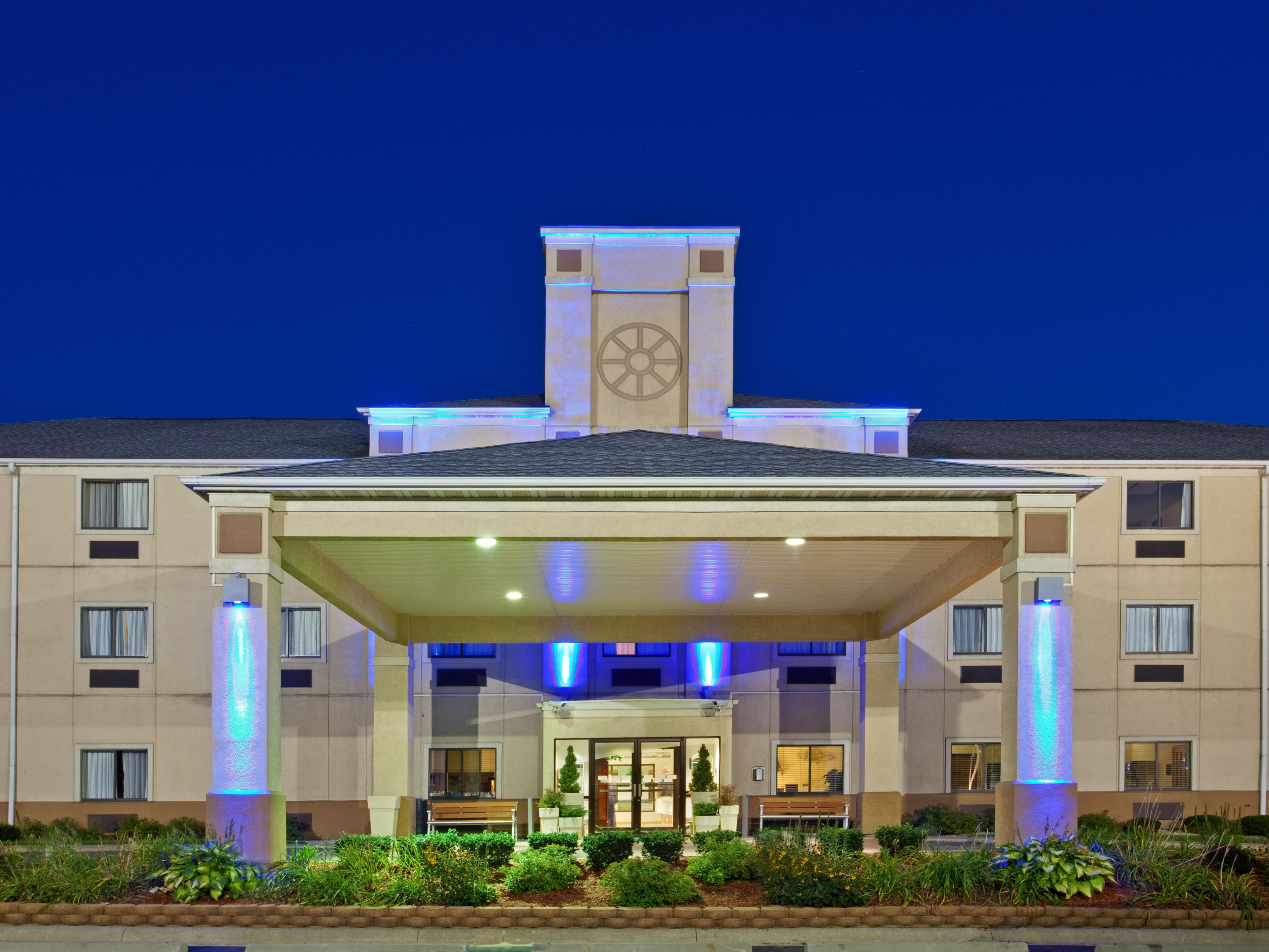 Holiday inn express la porte hotel by ihg for Hotels near la porte