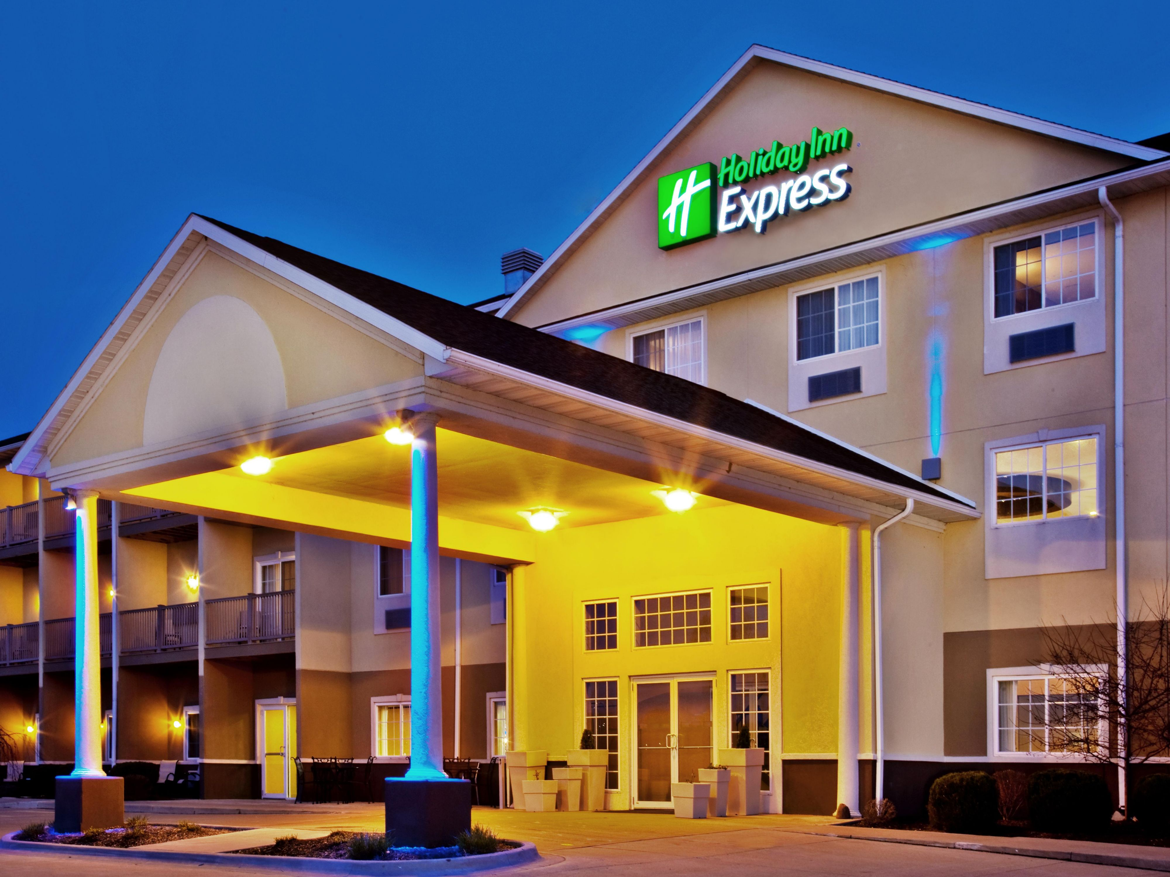 holiday inn express le claire riverfront davenport hotel by ihg
