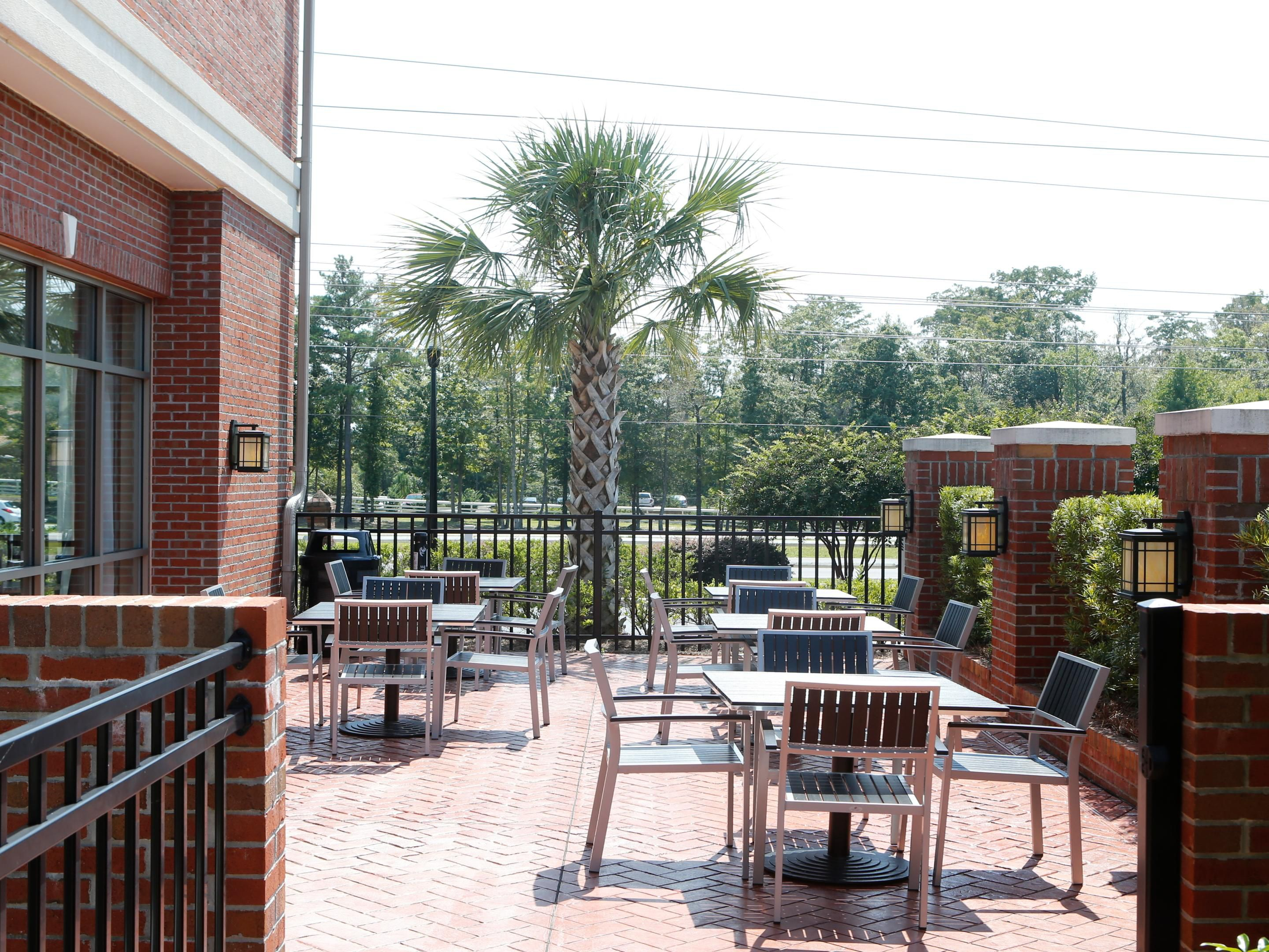 Holiday Inn Express Leland-Wilmington Area Exterior Feature