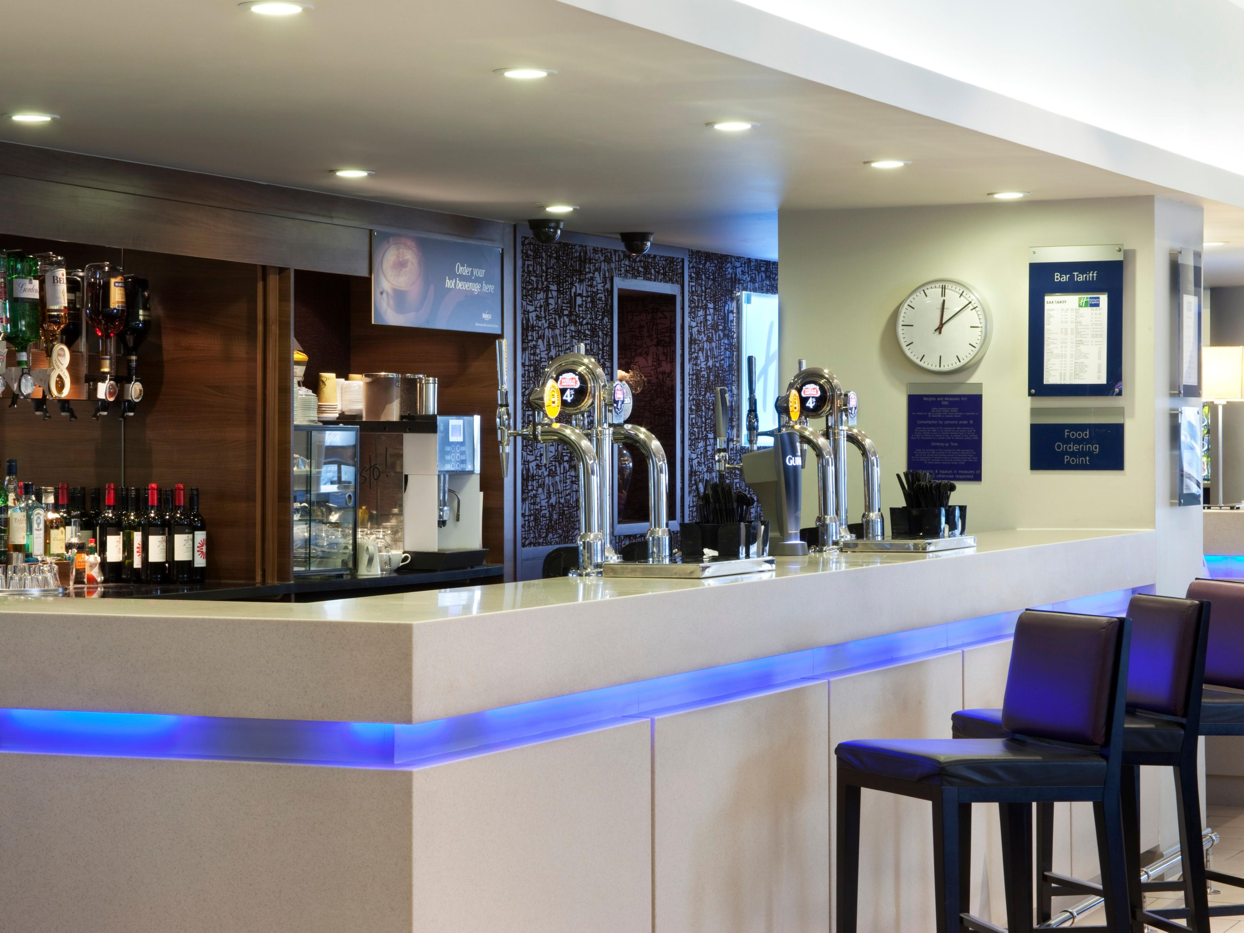 Enjoy a drink at the bar in our London hotel