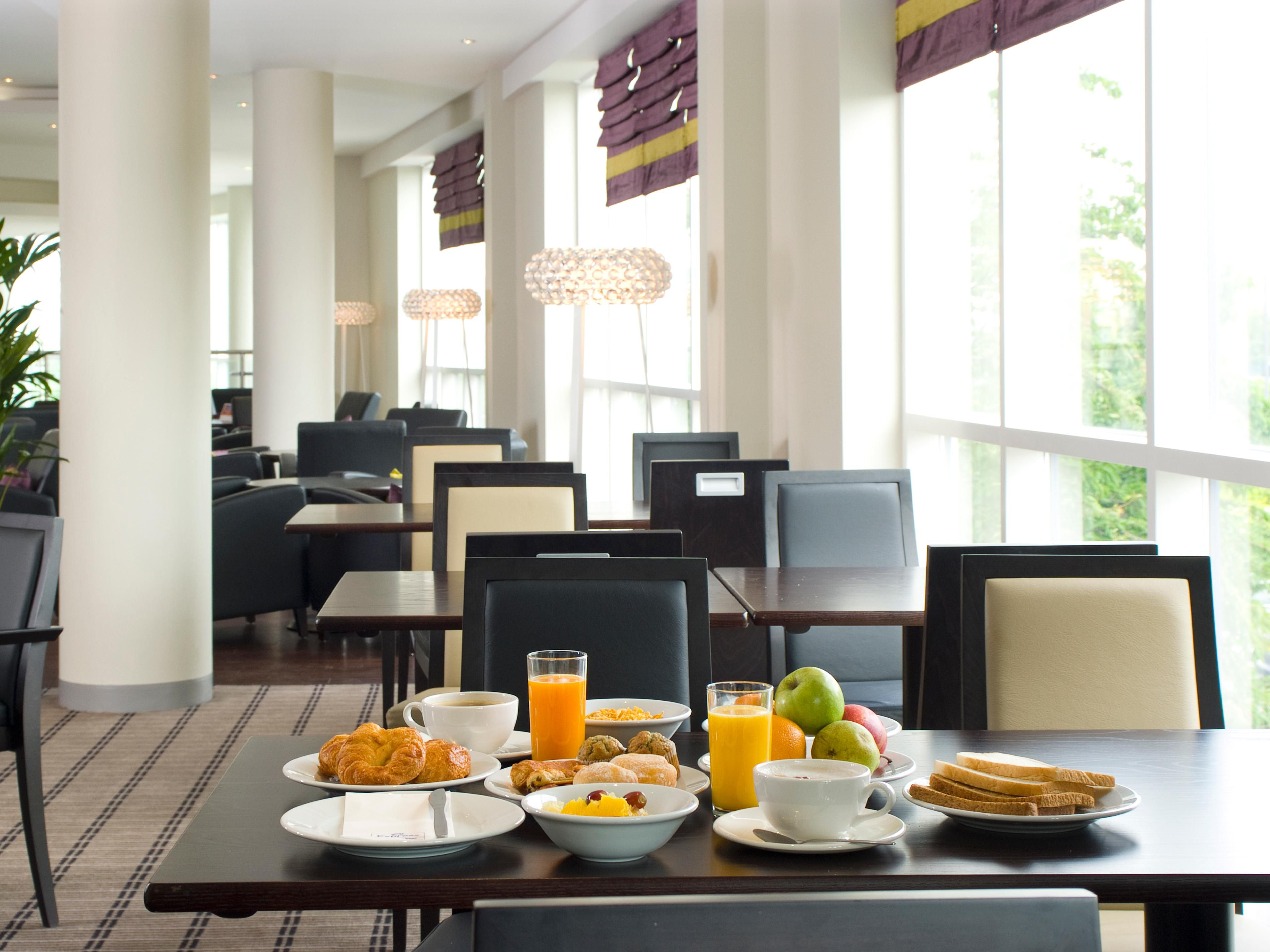 Breakfast and dinner can be enjoyed in our relaxed lounge