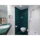 Holiday Inn Express London - Vauxhall Nine Elms Guest Bathroom