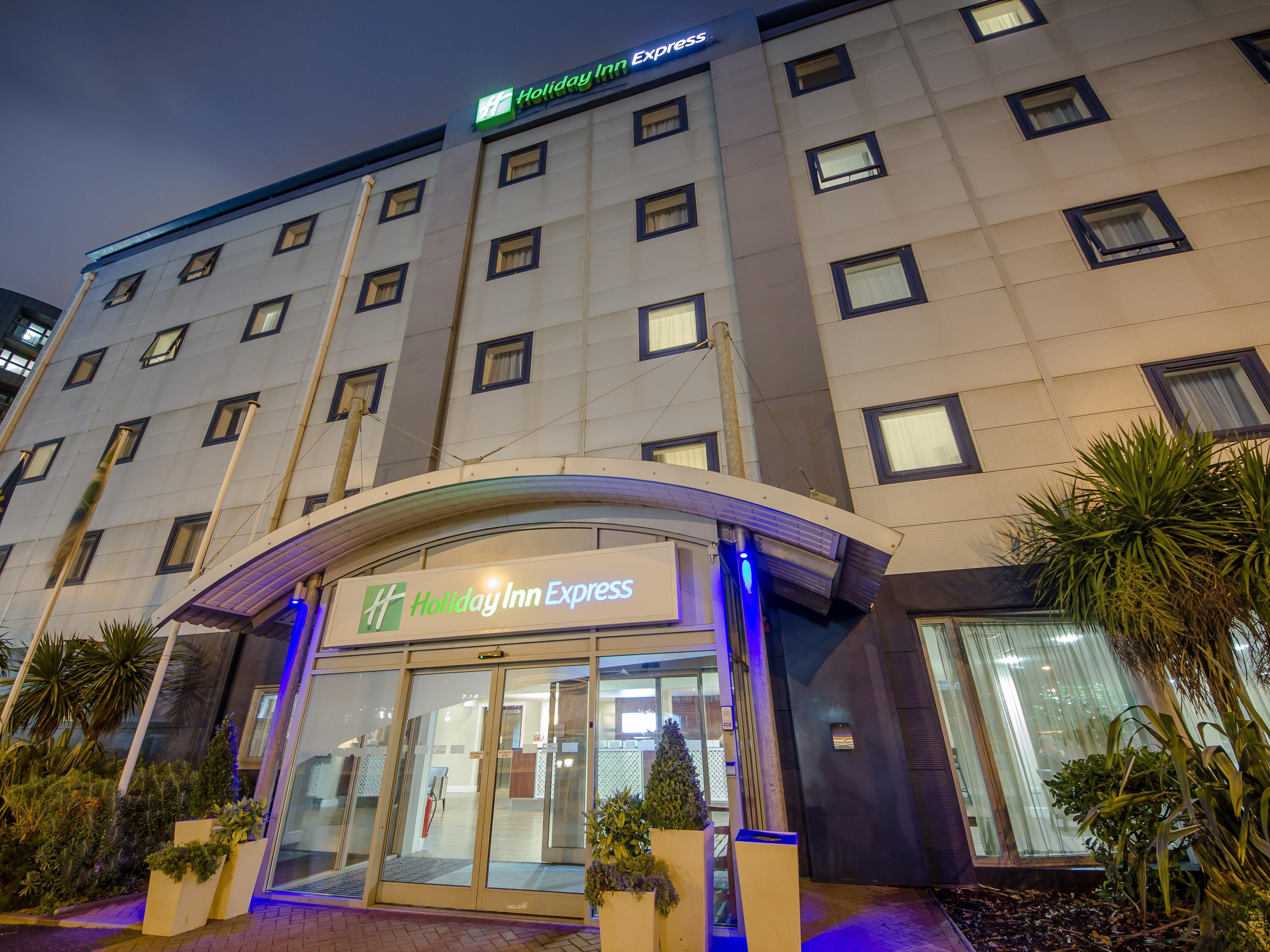 Holiday inn express london royal docks docklands hotel by ihg for Hotels 02 london