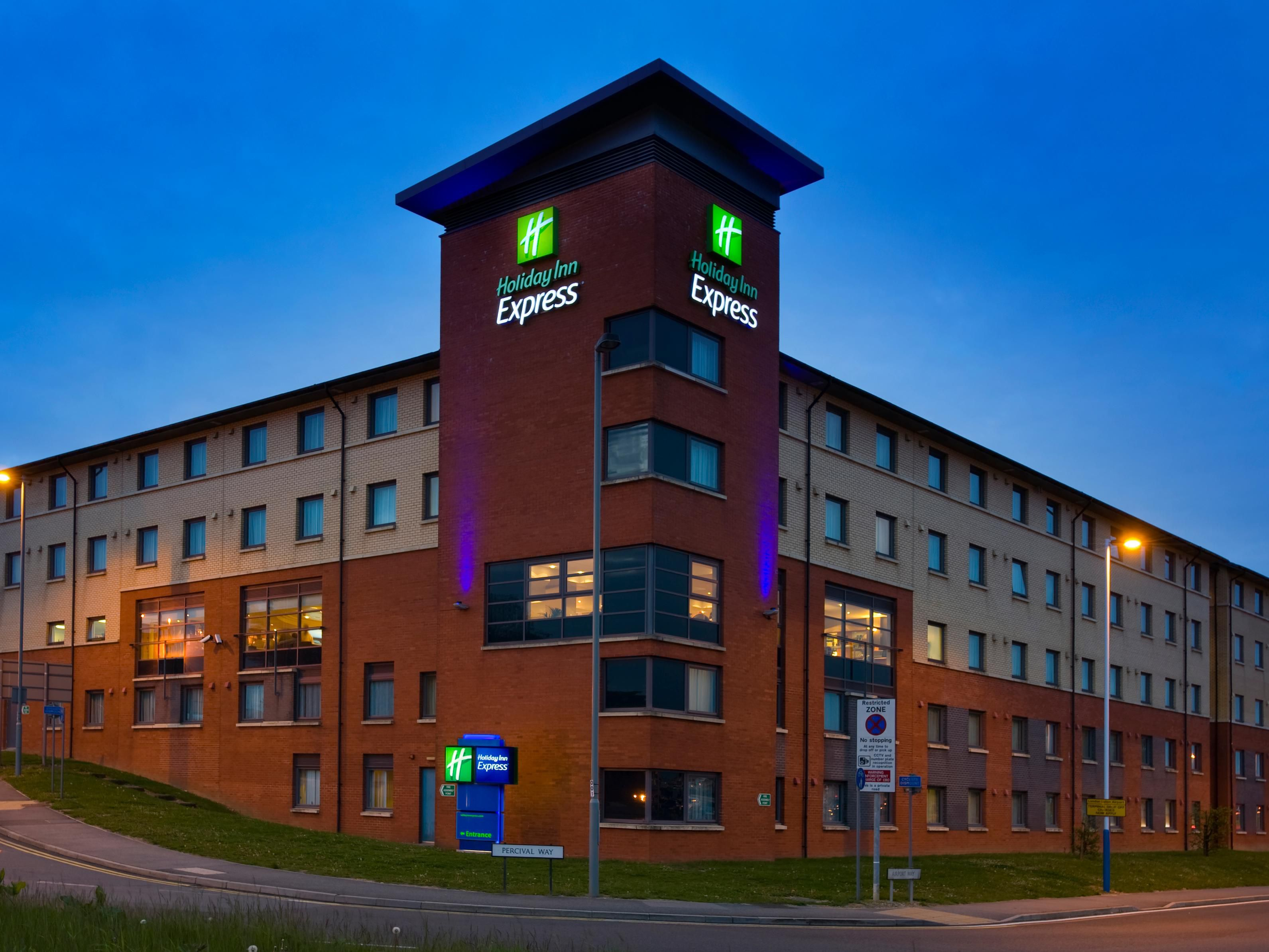 Your Holiday Inn Express hotel at Luton Airport