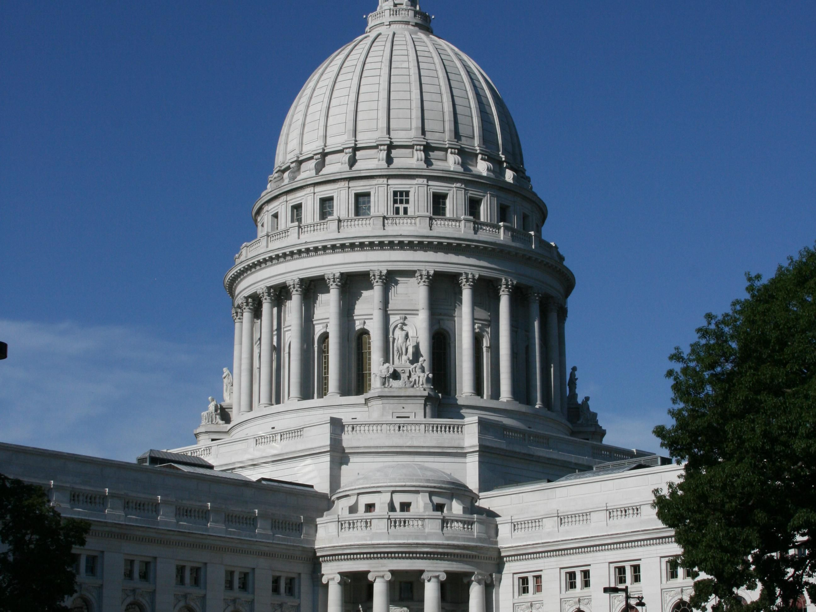 Tour the State Capital of Wisconsin