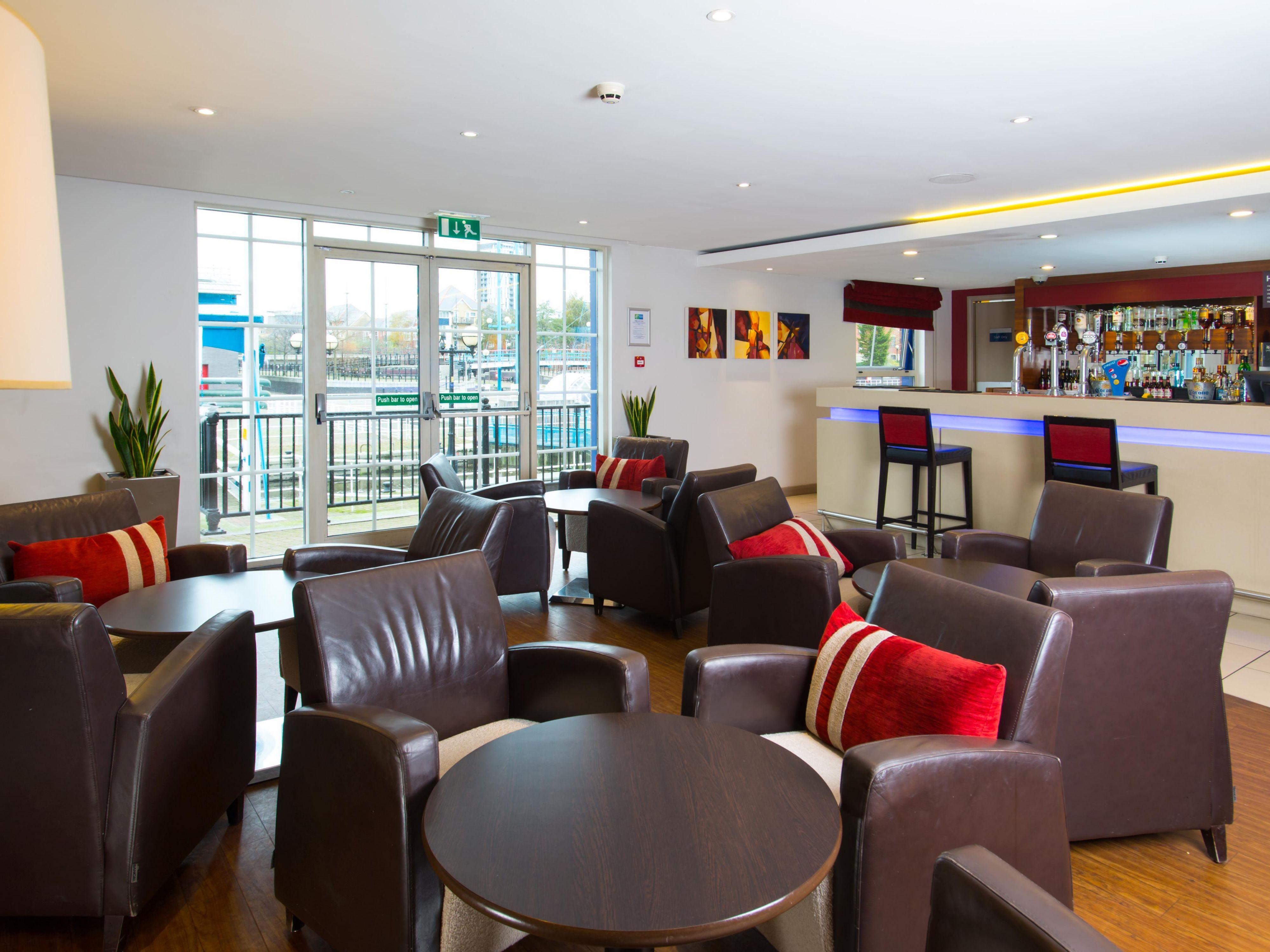 Restaurants Near Holiday Inn Manchester Salfor