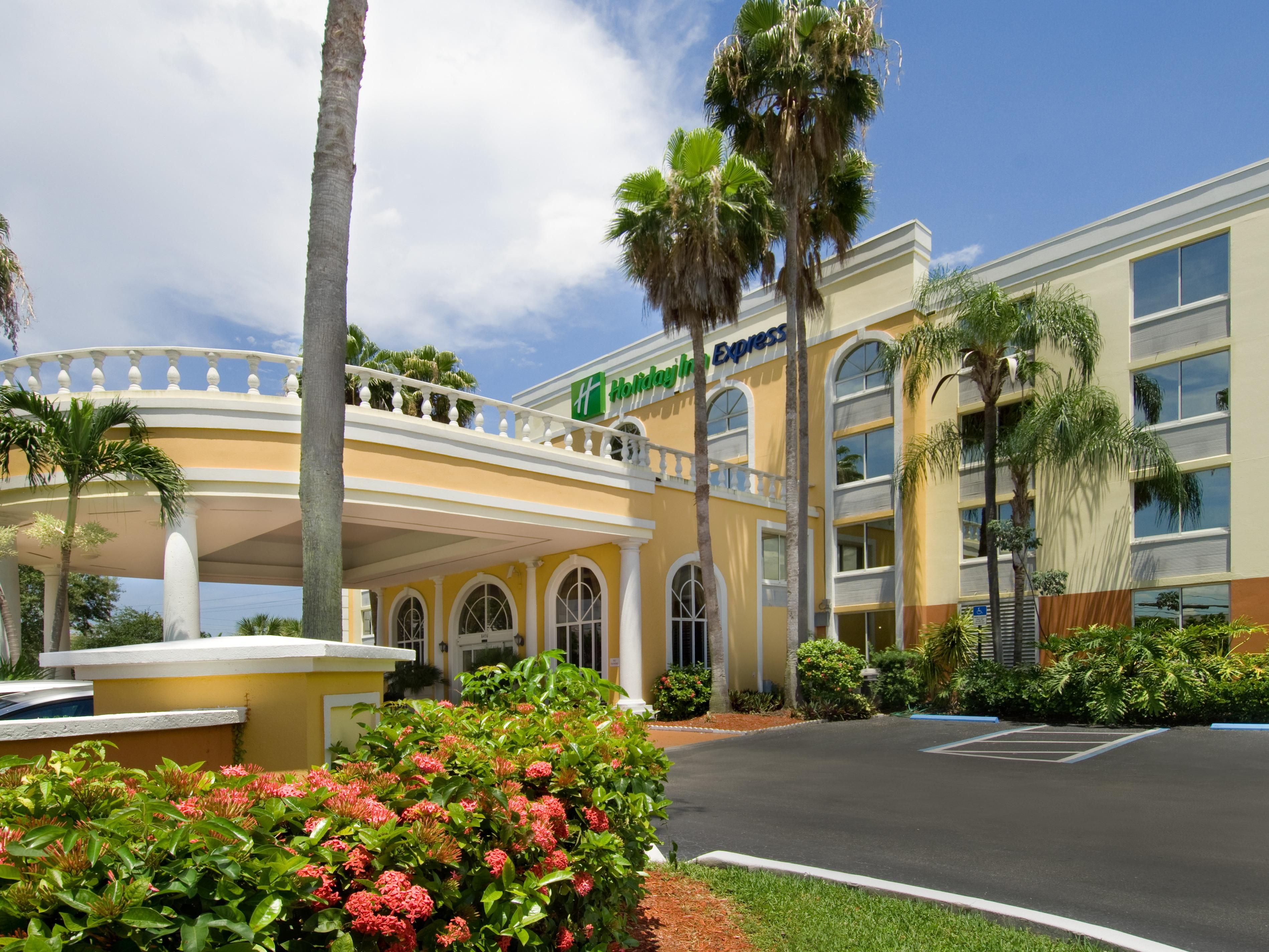 Holiday inn Express Miami Airport Doral Hotel Exterior