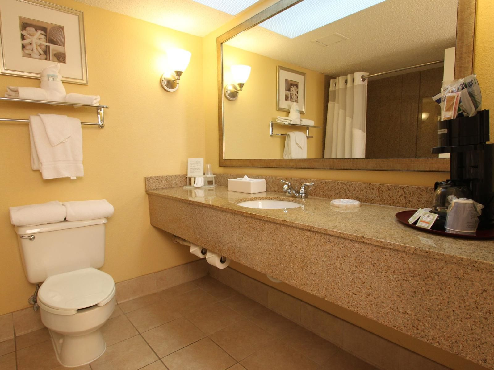 Holiday Inn Express Miami Airport Private Spacious Guest Bathroom