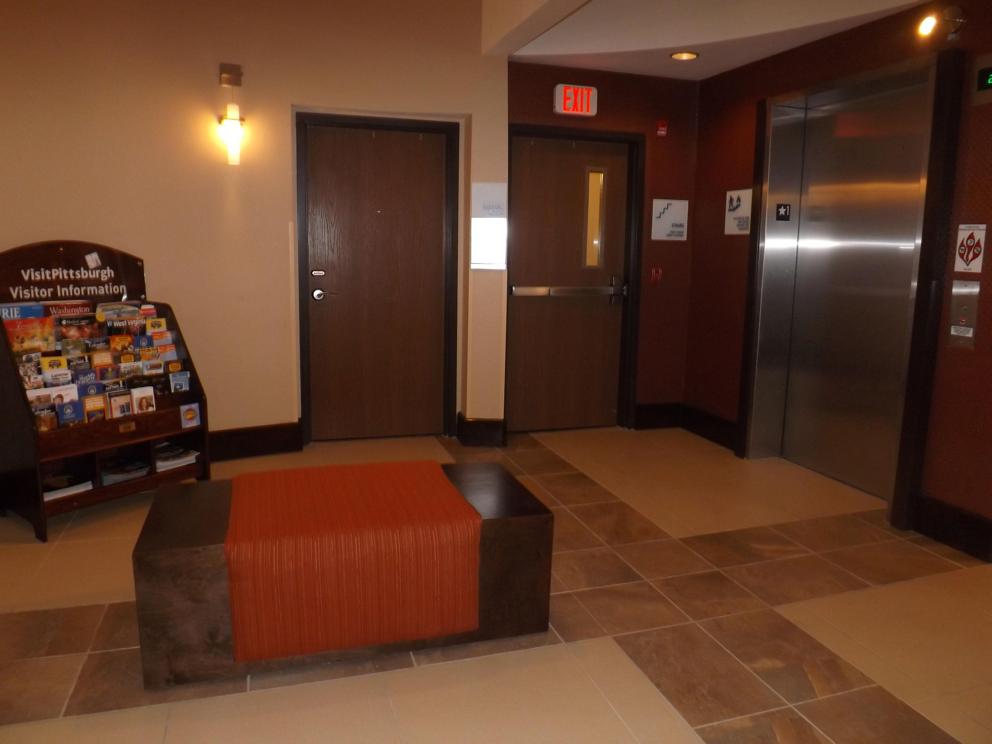 Holiday Inn Express Waterfront Mall Elevator Lobby