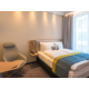 Double room with queensize bed