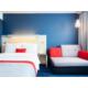 Unsere Zimmer bieten Ihnen bequeme Queen-Betten und ein Sofa-Bett.