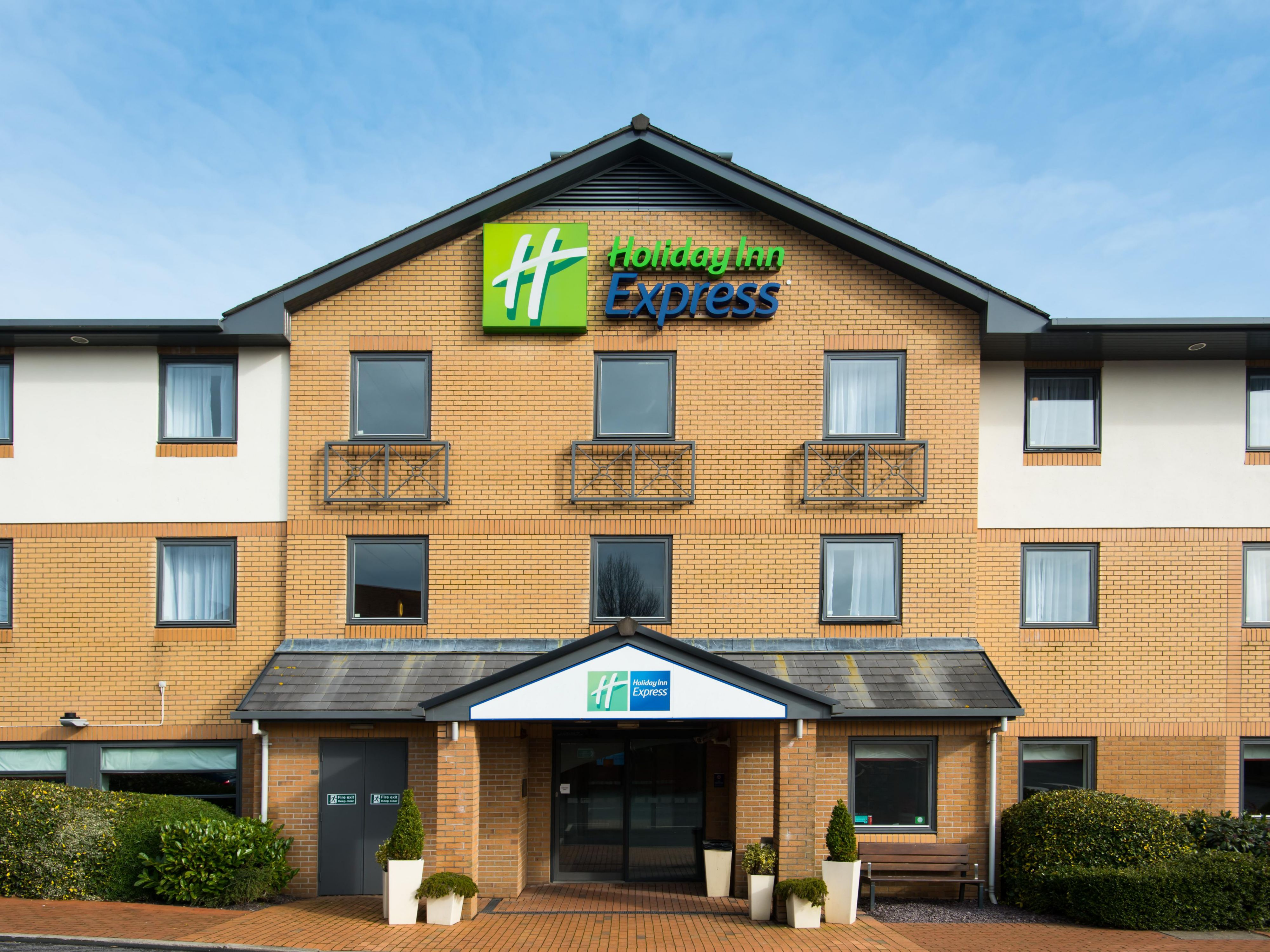 A warm welcome awaits at Holiday Inn Express Swansea - East