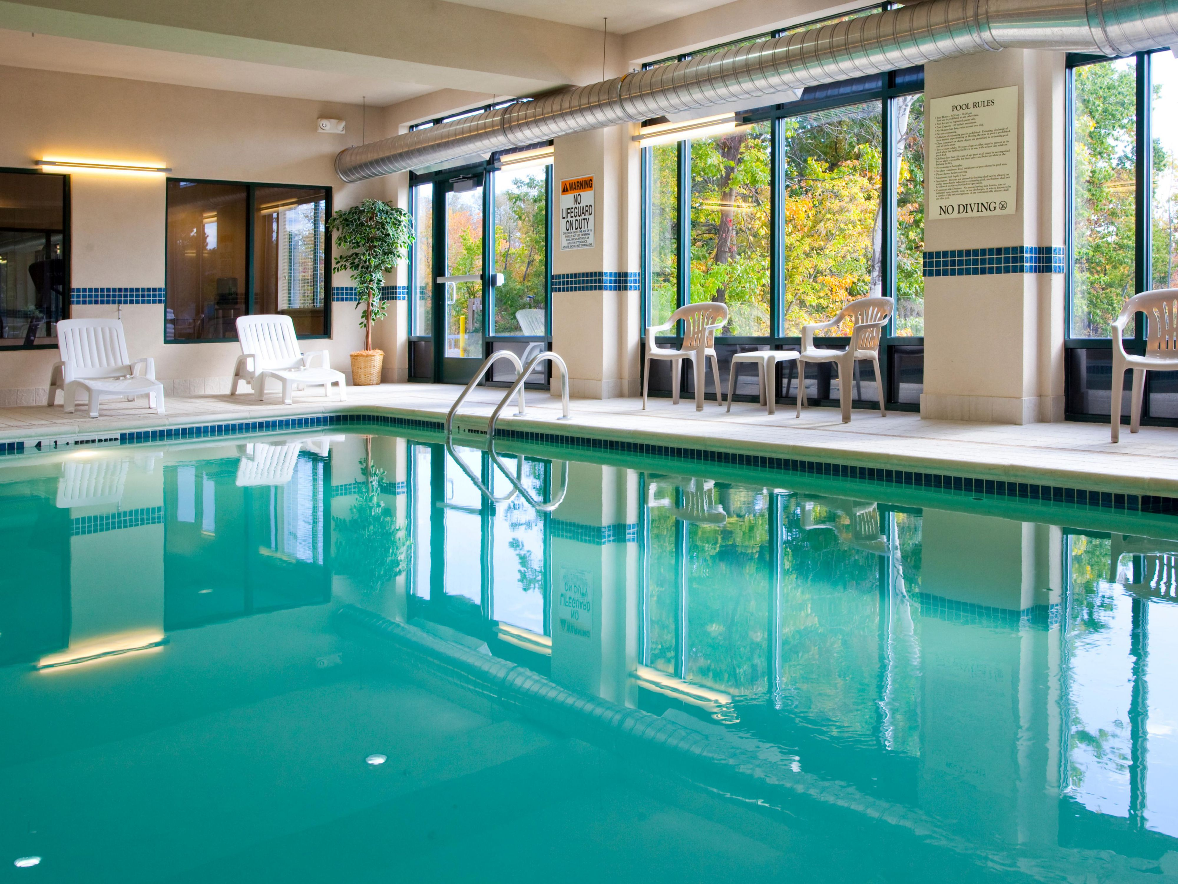 Indoor Pool Central to all Syracuse Attractions