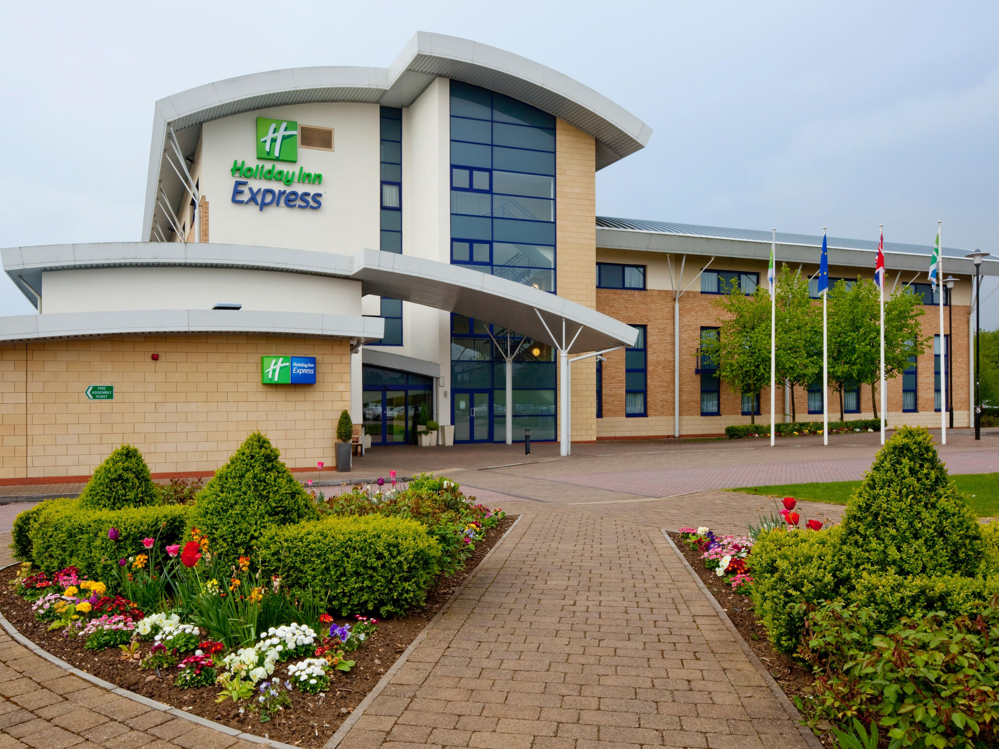 Welcome to Holiday Inn Express Northampton M1, Jct 15