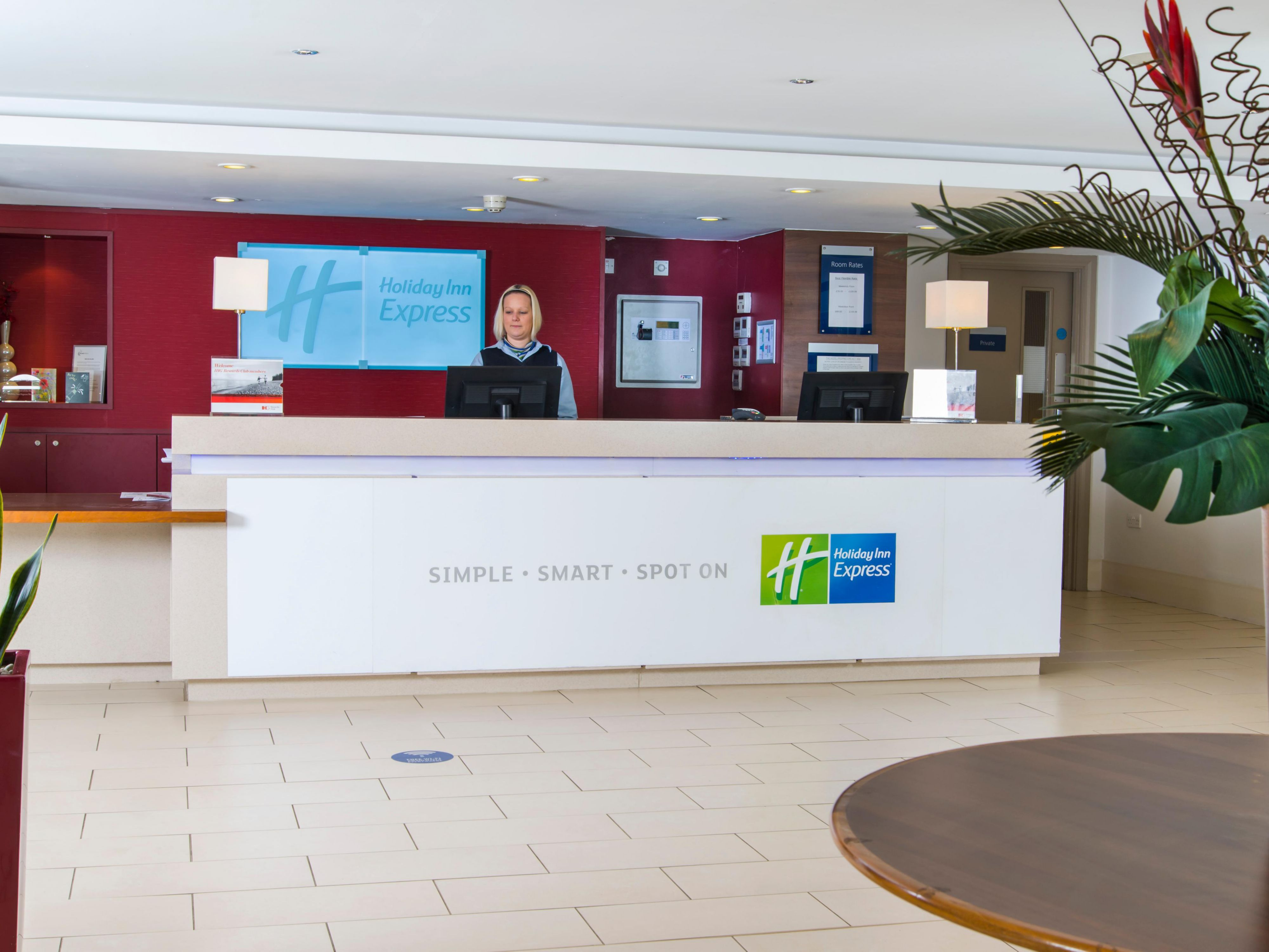 Welcome to Holiday Inn Express Northampton