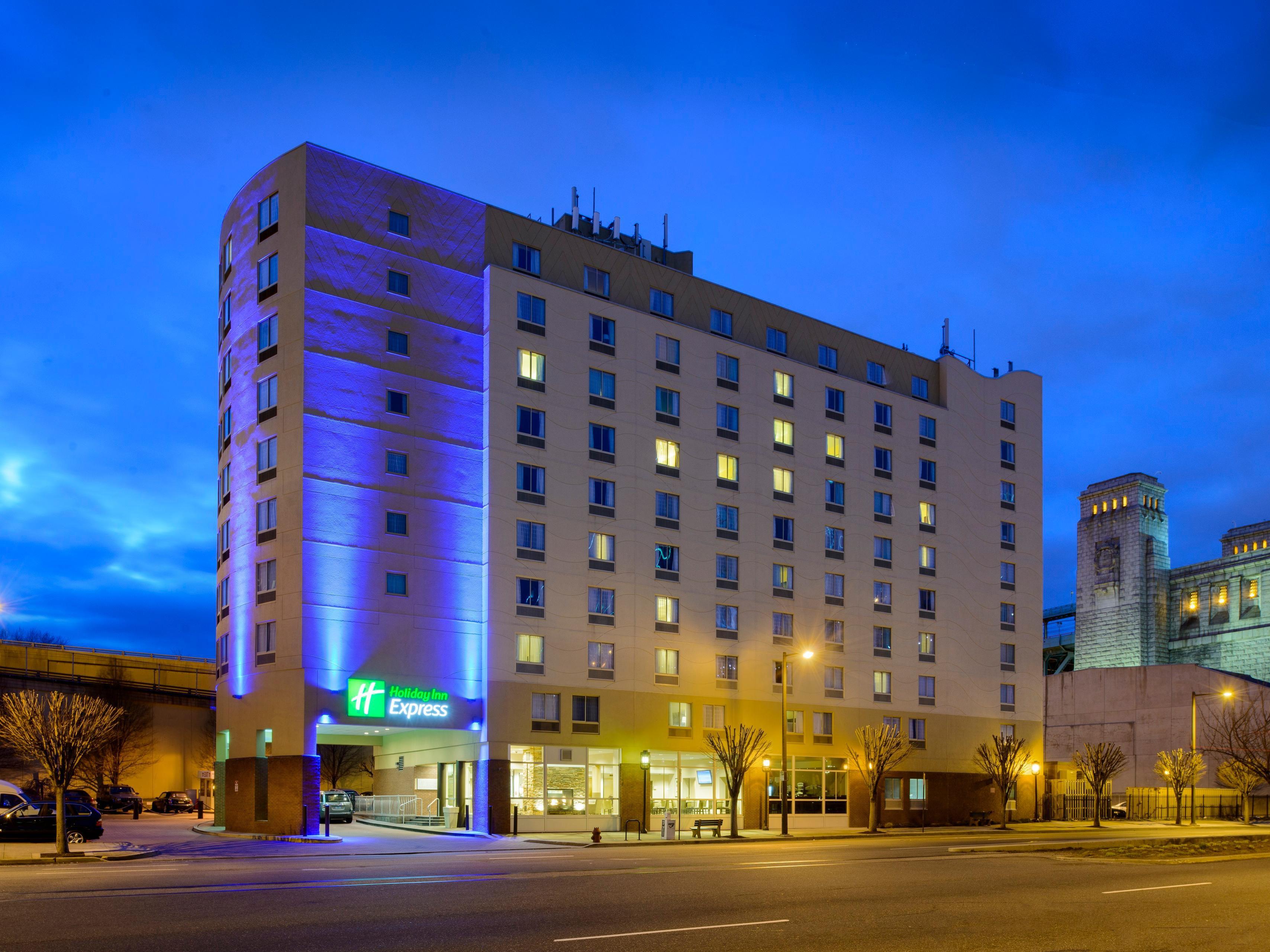 holiday inn express philadelphia penns landing hotel in. Black Bedroom Furniture Sets. Home Design Ideas