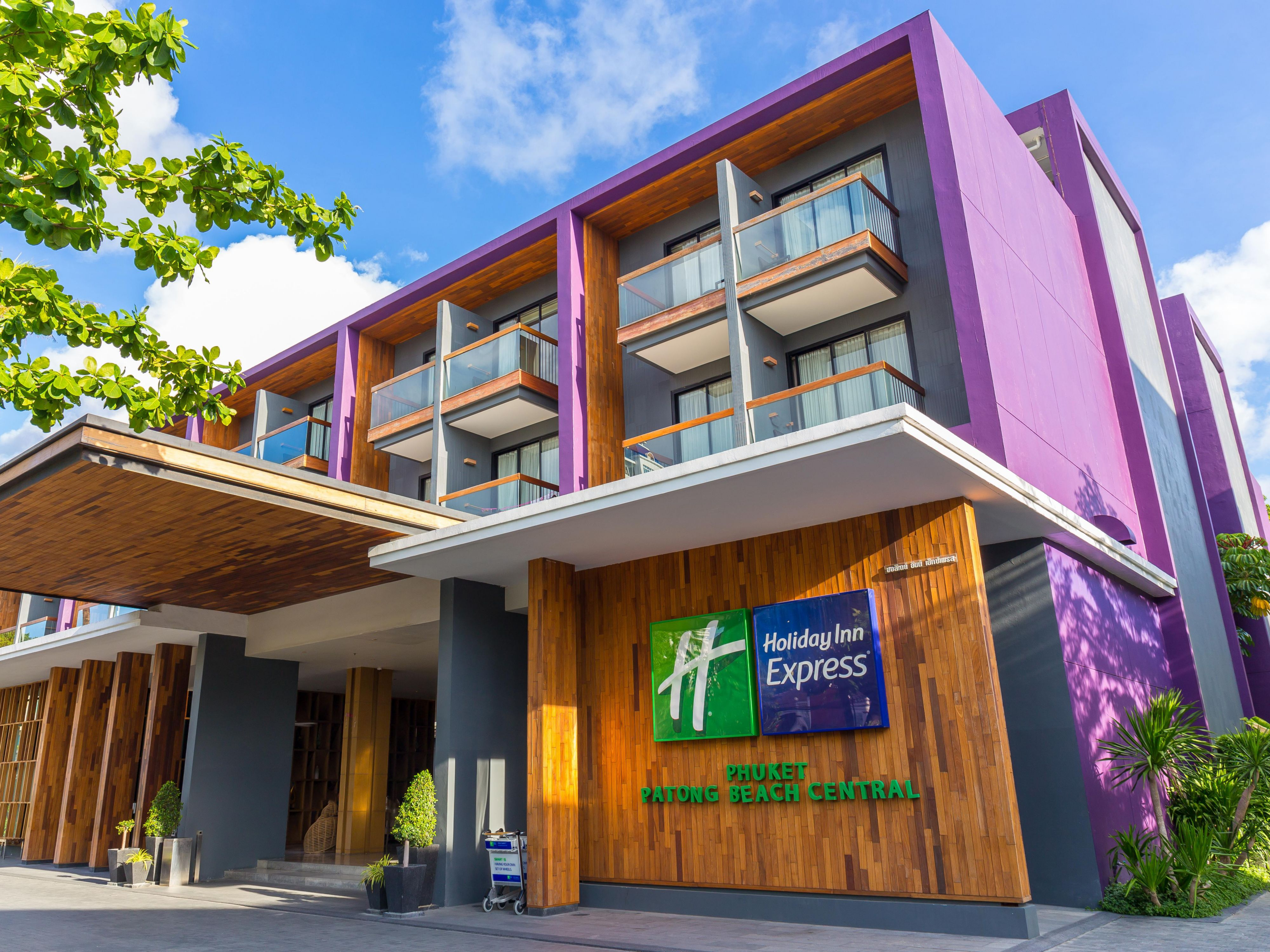 Welcome to Holiday Inn Express Phuket Patong Beach Central
