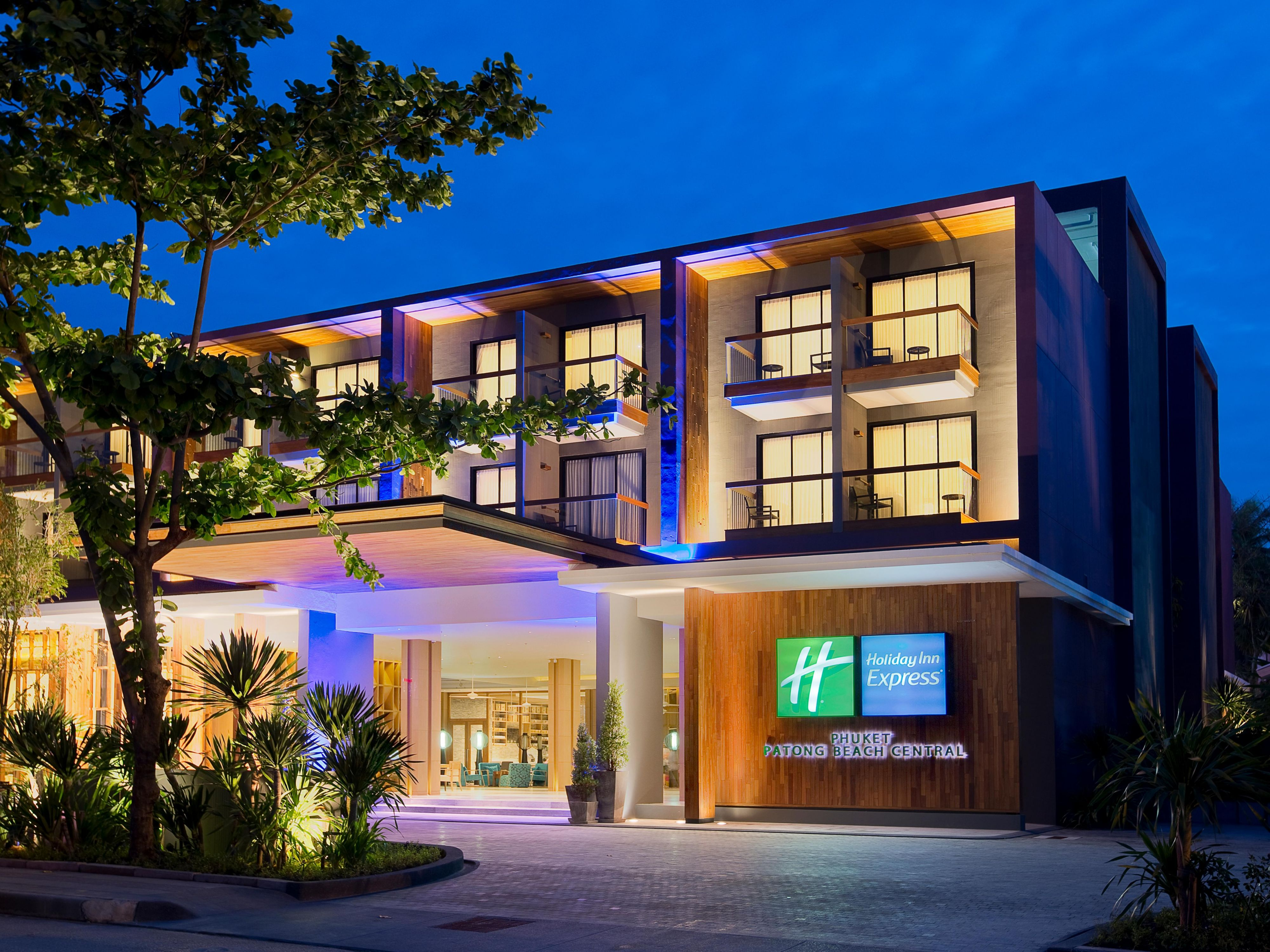 Holiday Inn Express Phuket Patong Beach Central Hotel