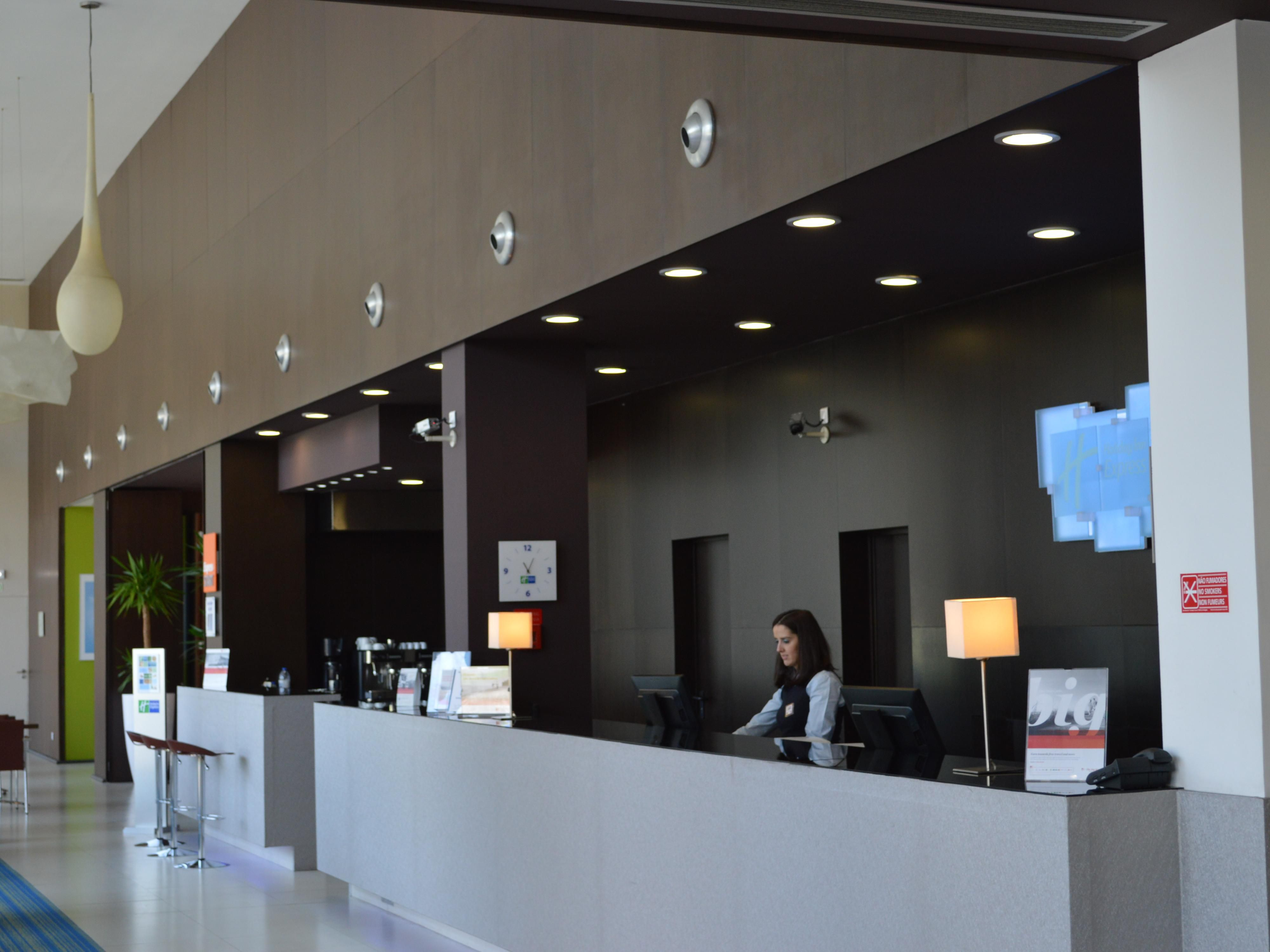 Enjoy our lobby where you can find the reception and bar