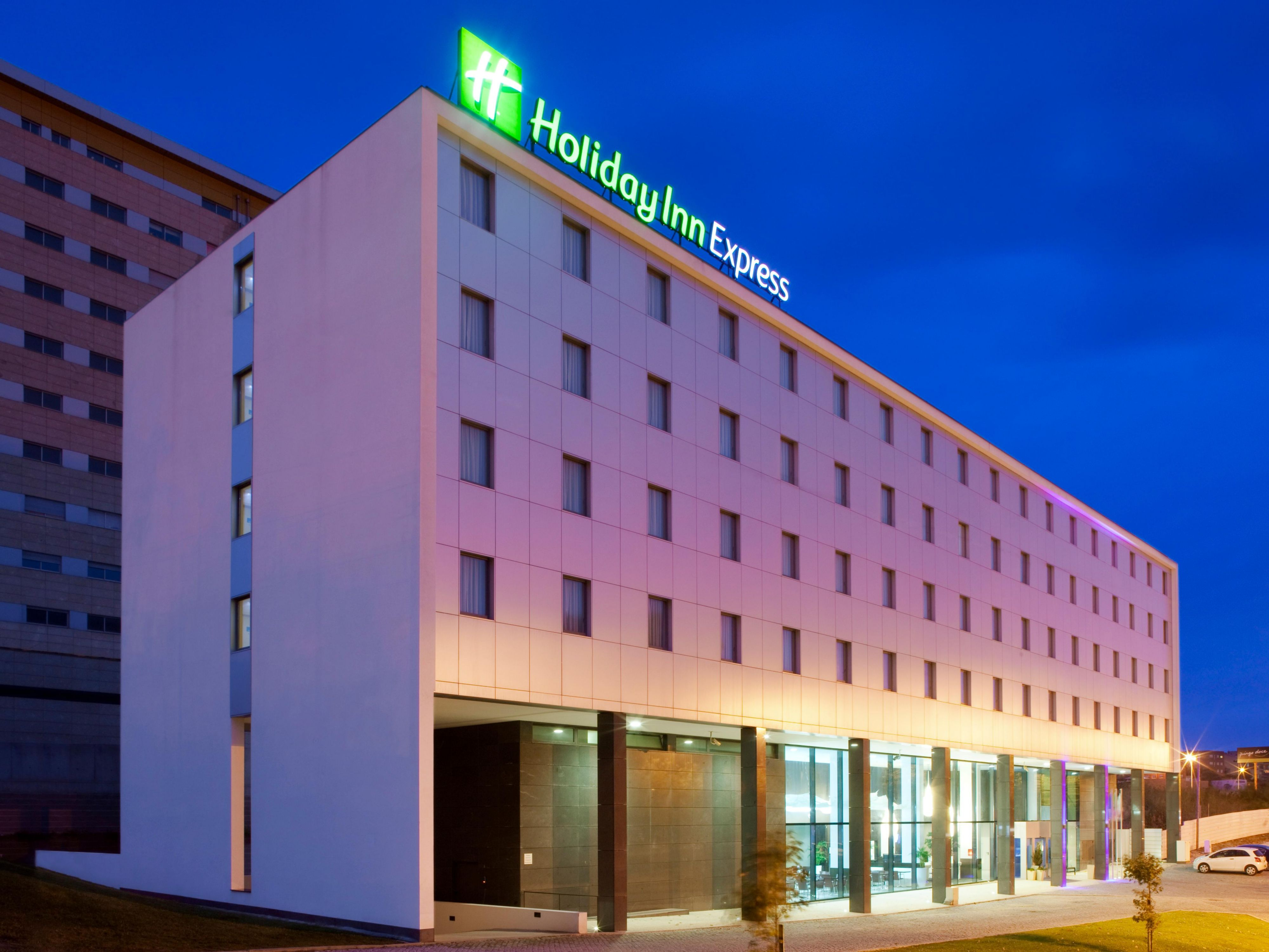 Holiday Inn Express Porto Exponor  a step away from your business