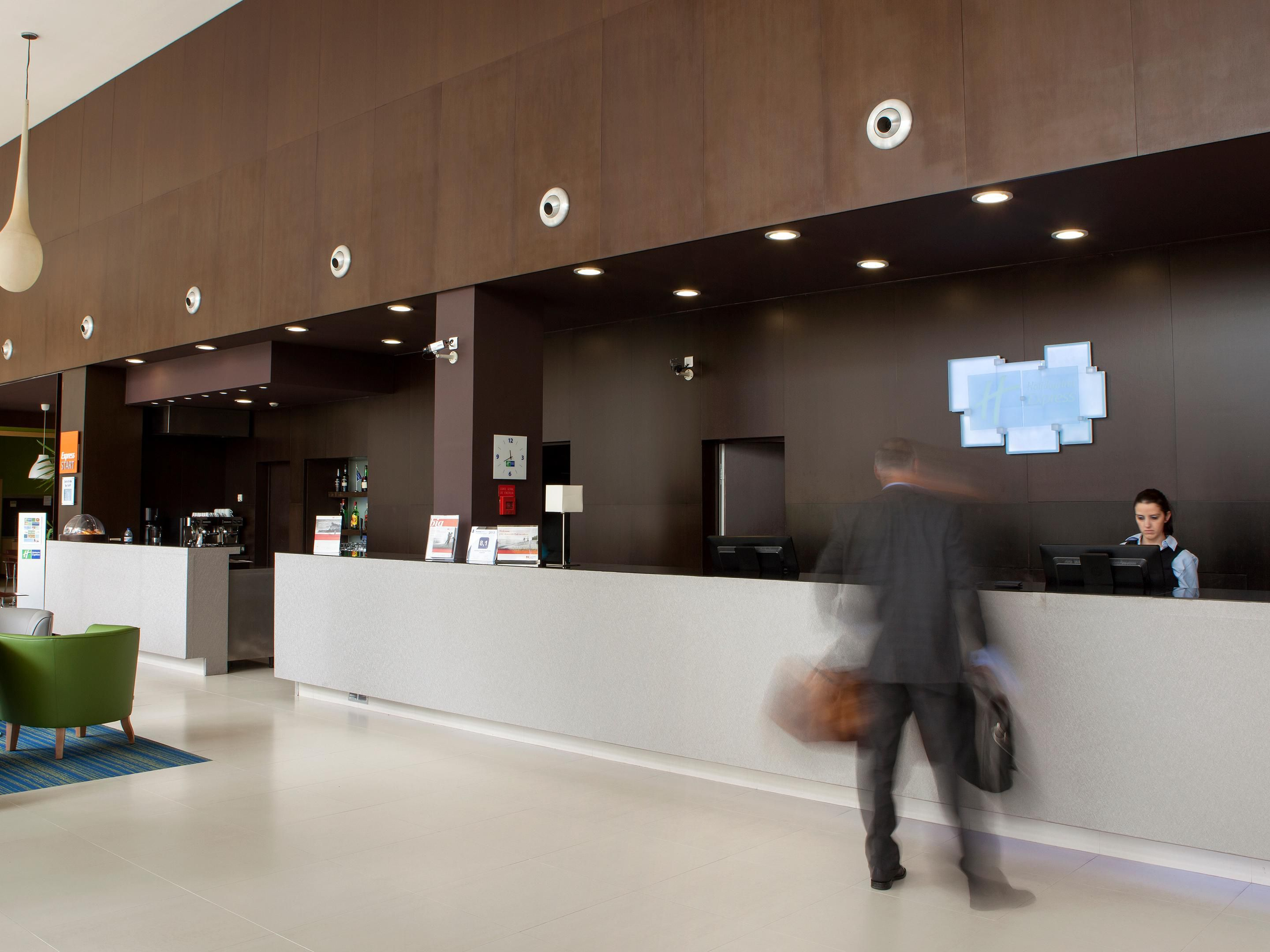 Welcome to Holiday Inn Express Porto Exponor