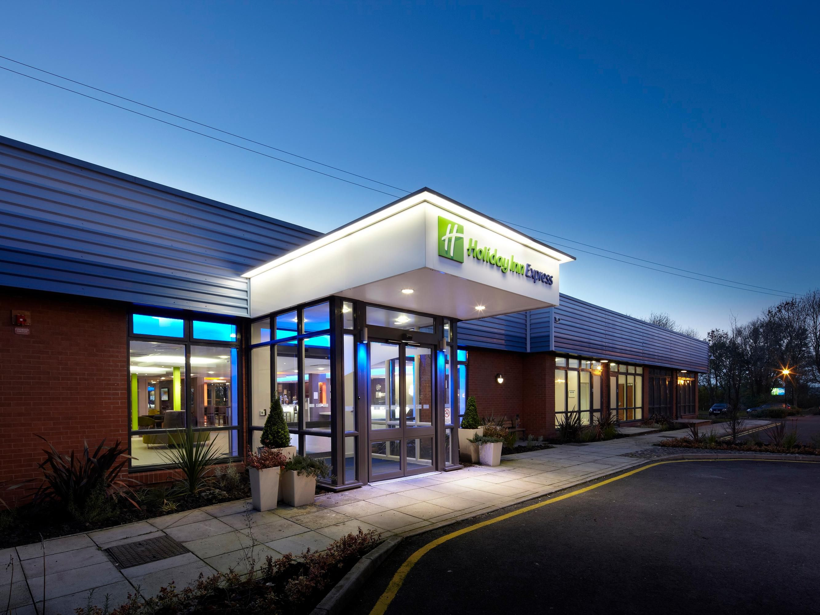 Welcome to Holiday Inn Express Preston-South