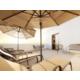 Disfrute de nuestra Suite ejecutiva con terraza.