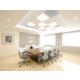 Amplias y funcionales salas de reunión.